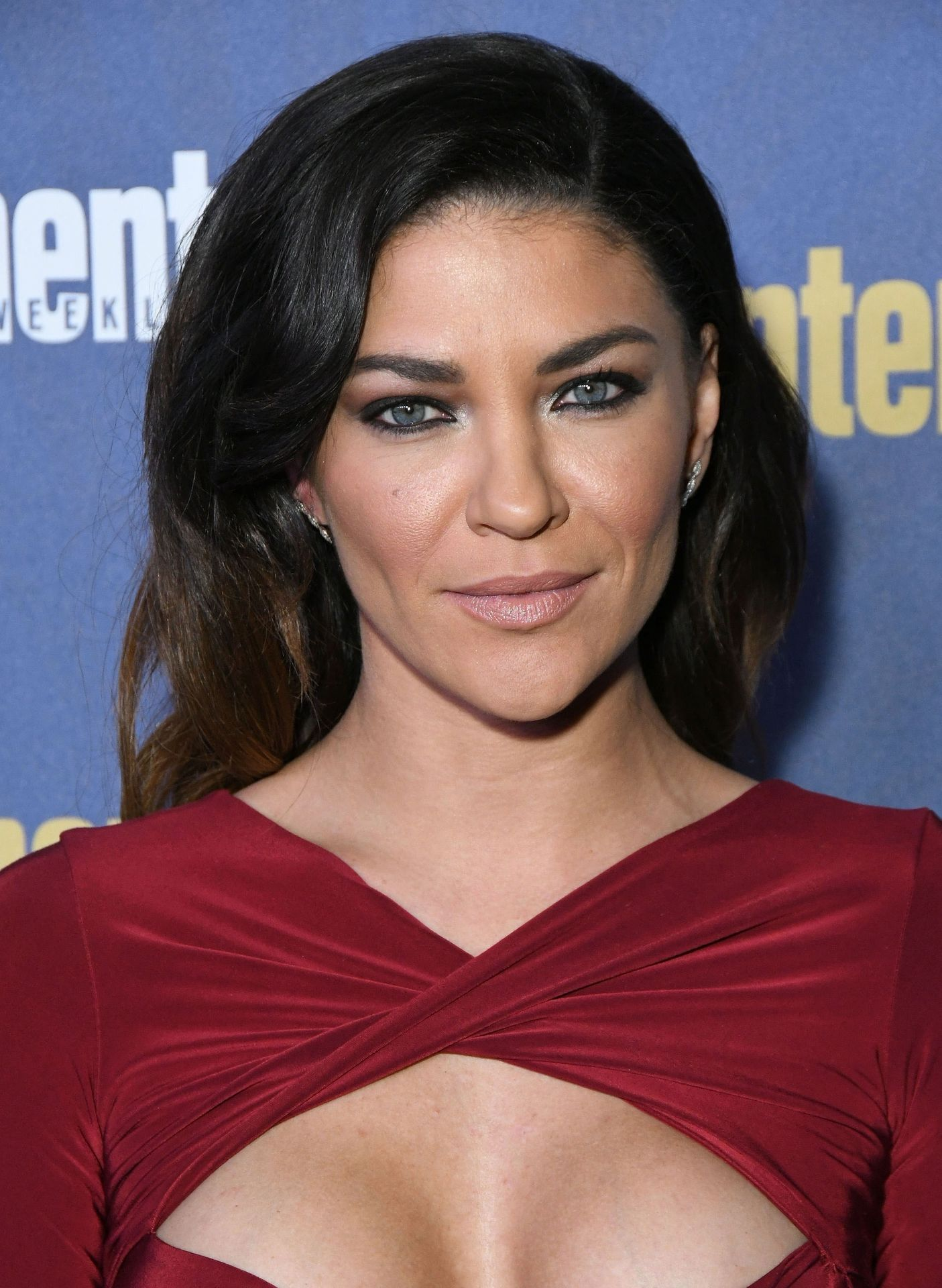 Jessica Szohr Shows Her Cleavage At The Entertainment Weekly Pre Sag Awards Celebration 0017
