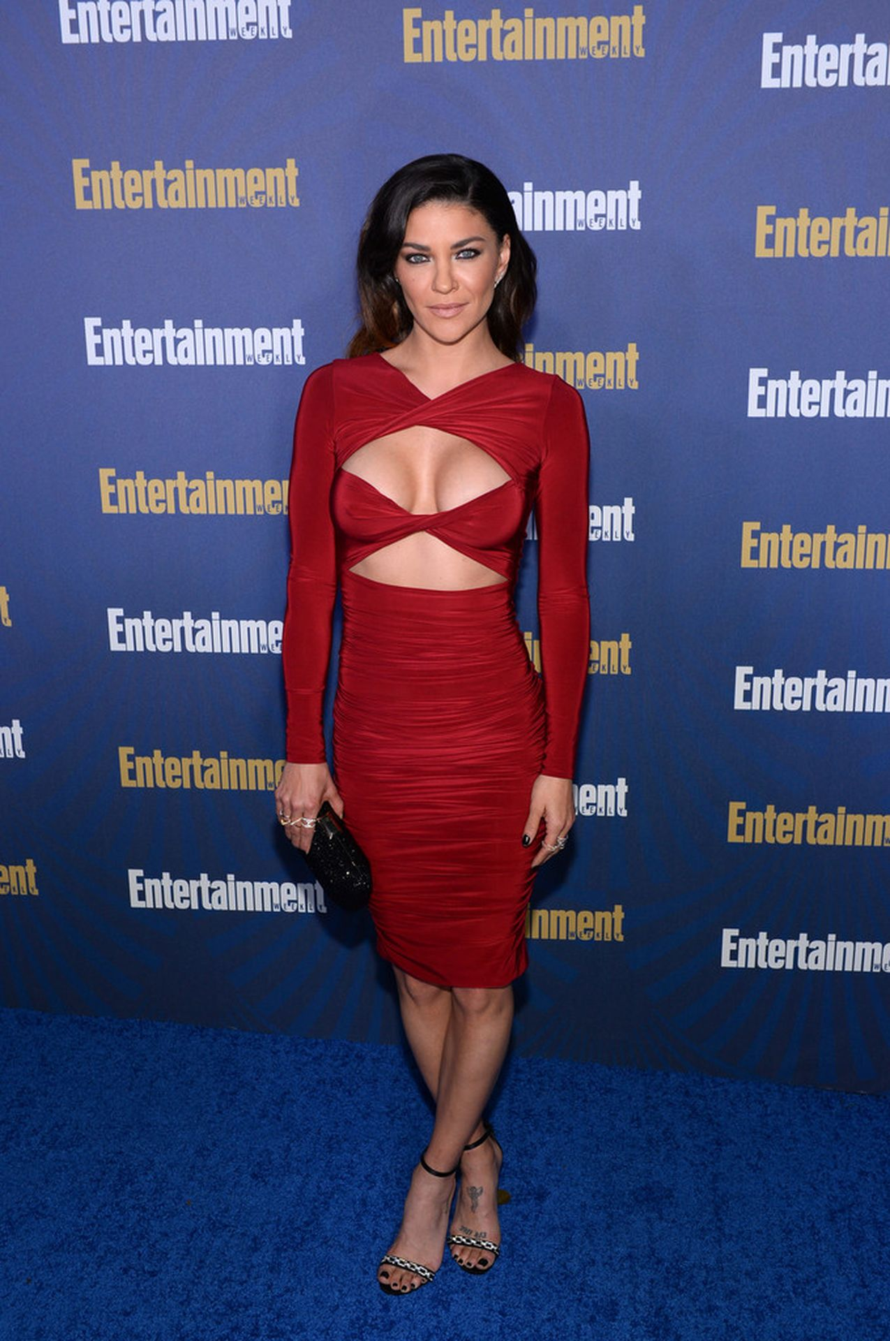 Jessica Szohr Shows Her Cleavage At The Entertainment Weekly Pre Sag Awards Celebration 0019