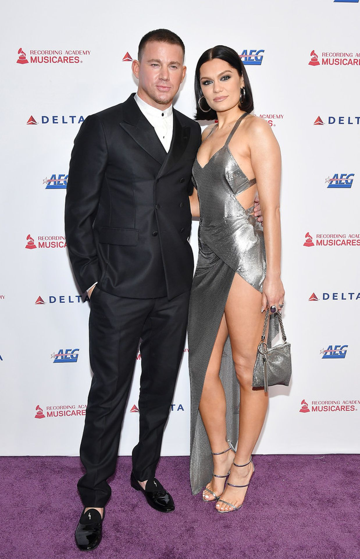 Jessie J Shows Off Her Sexy Legs At The Musicares Person Of The Year Gala 0001
