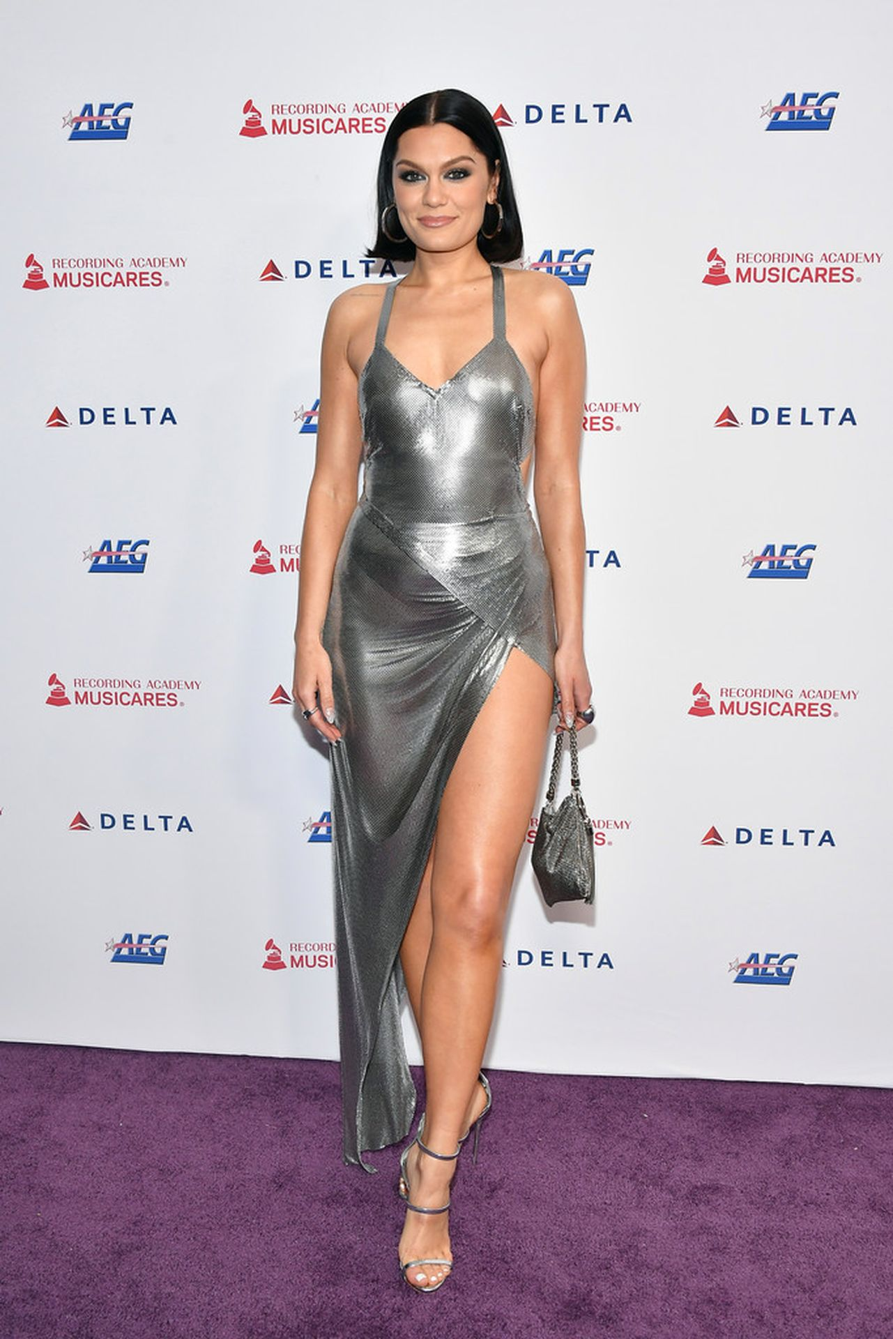 Jessie J Shows Off Her Sexy Legs At The Musicares Person Of The Year Gala 0004