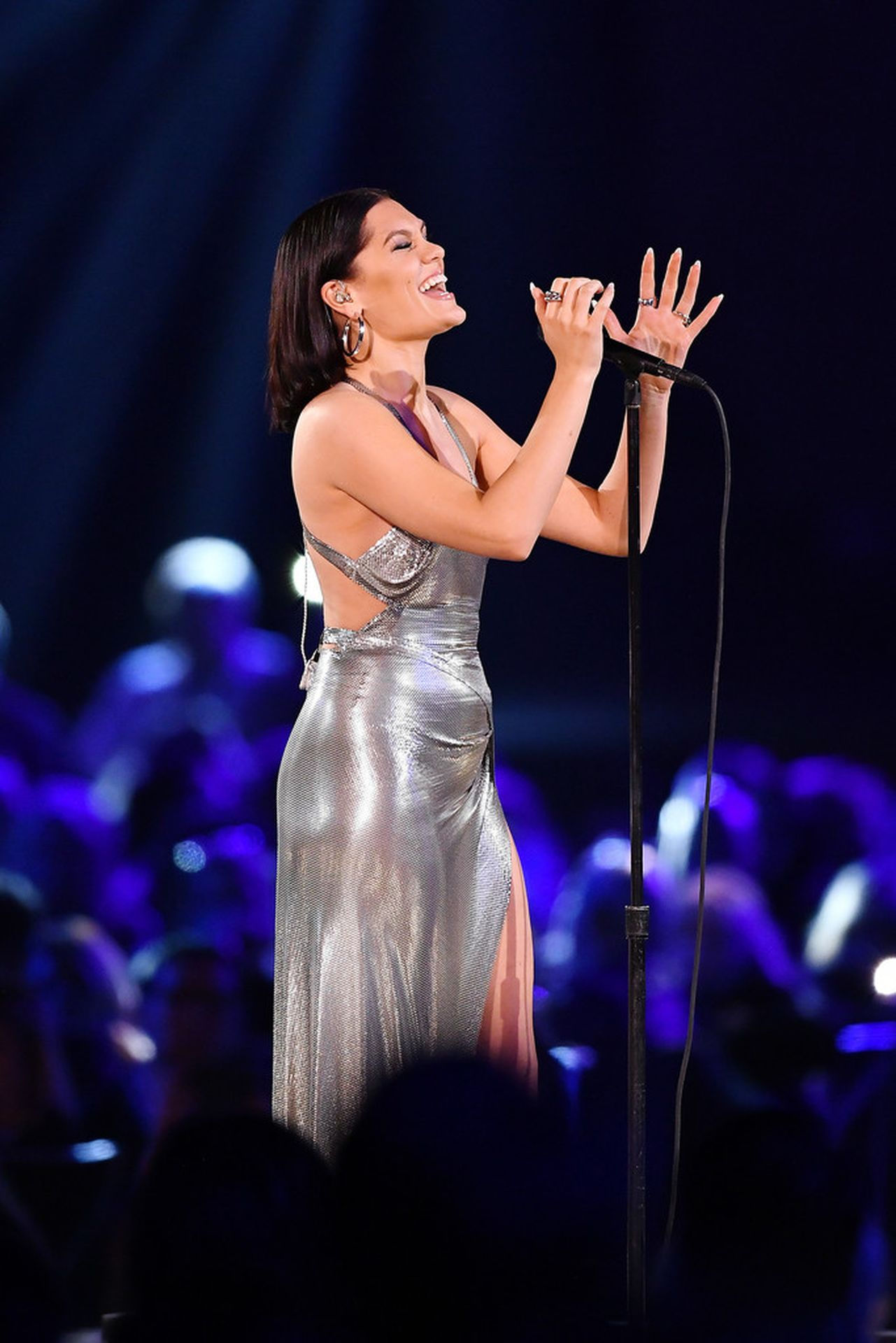 Jessie J Shows Off Her Sexy Legs At The Musicares Person Of The Year Gala 0006