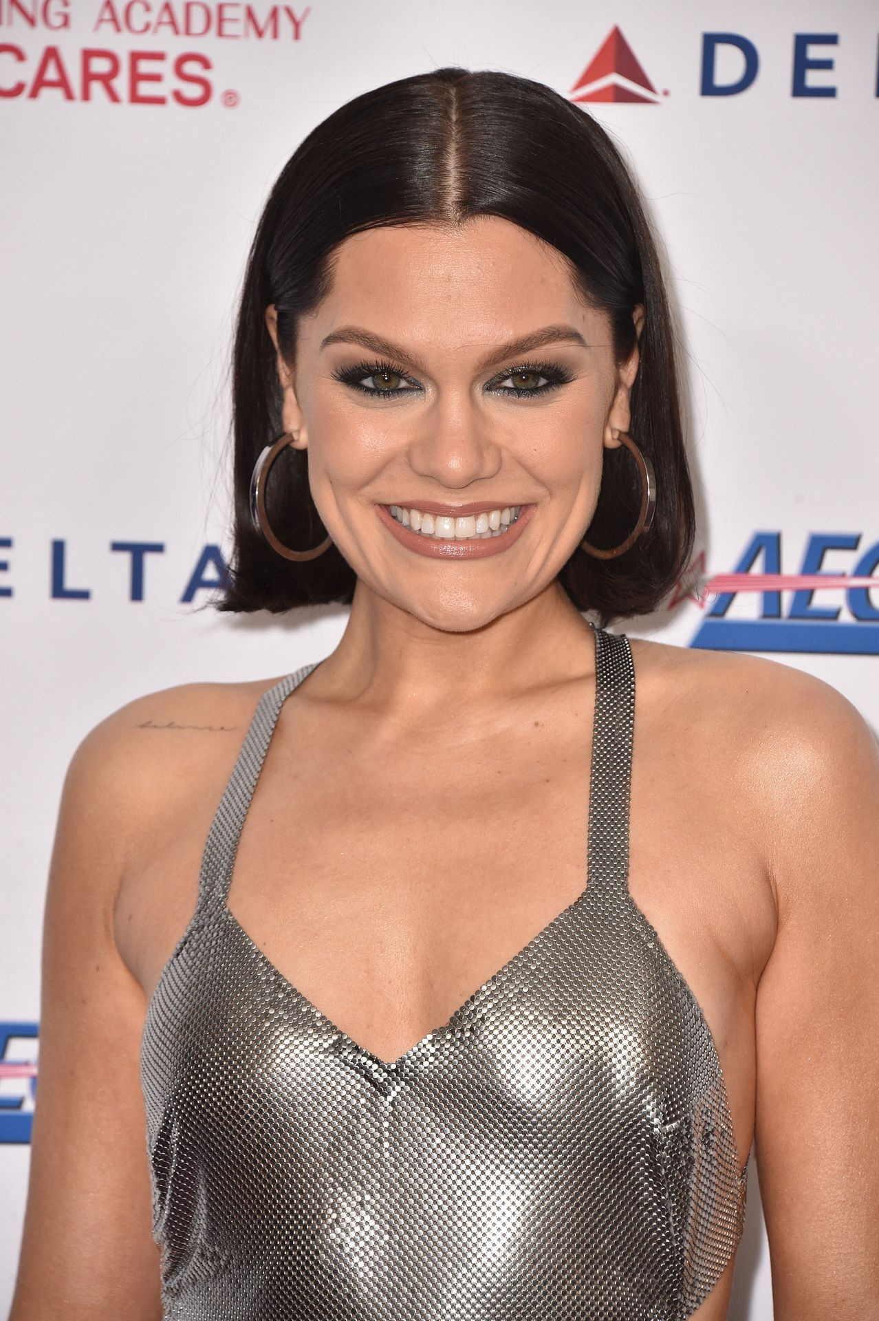Jessie J Shows Off Her Sexy Legs At The Musicares Person Of The Year Gala 0010