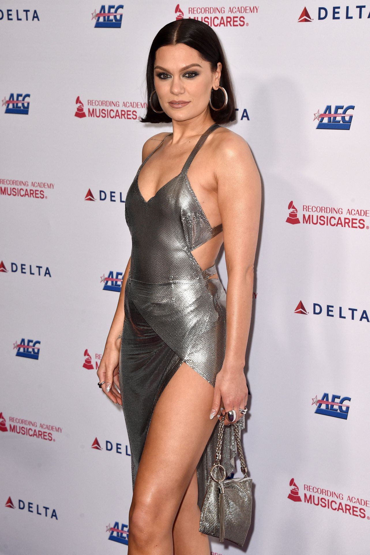 Jessie J Shows Off Her Sexy Legs At The Musicares Person Of The Year Gala 0011