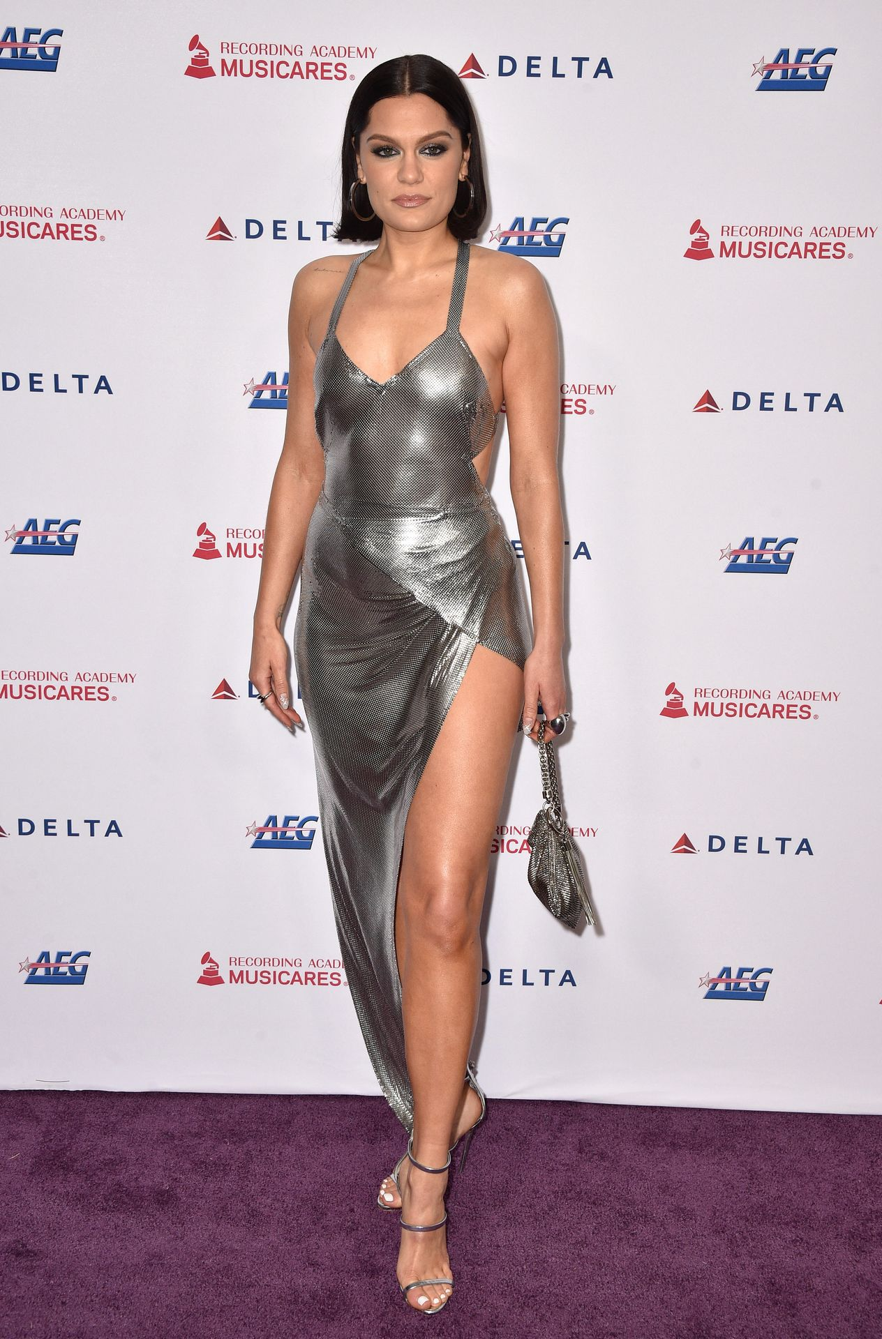 Jessie J Shows Off Her Sexy Legs At The Musicares Person Of The Year Gala 0013