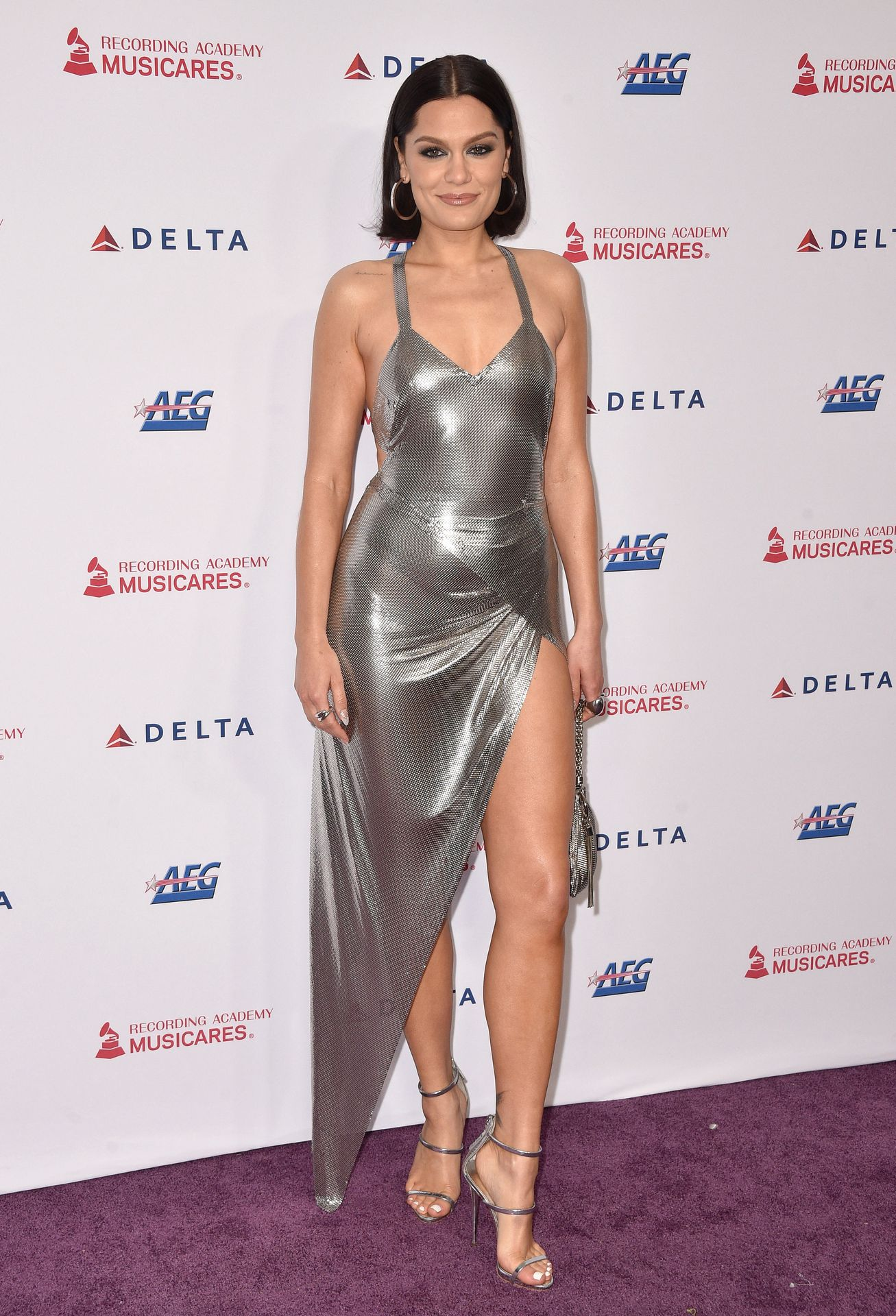 Jessie J Shows Off Her Sexy Legs At The Musicares Person Of The Year Gala 0016