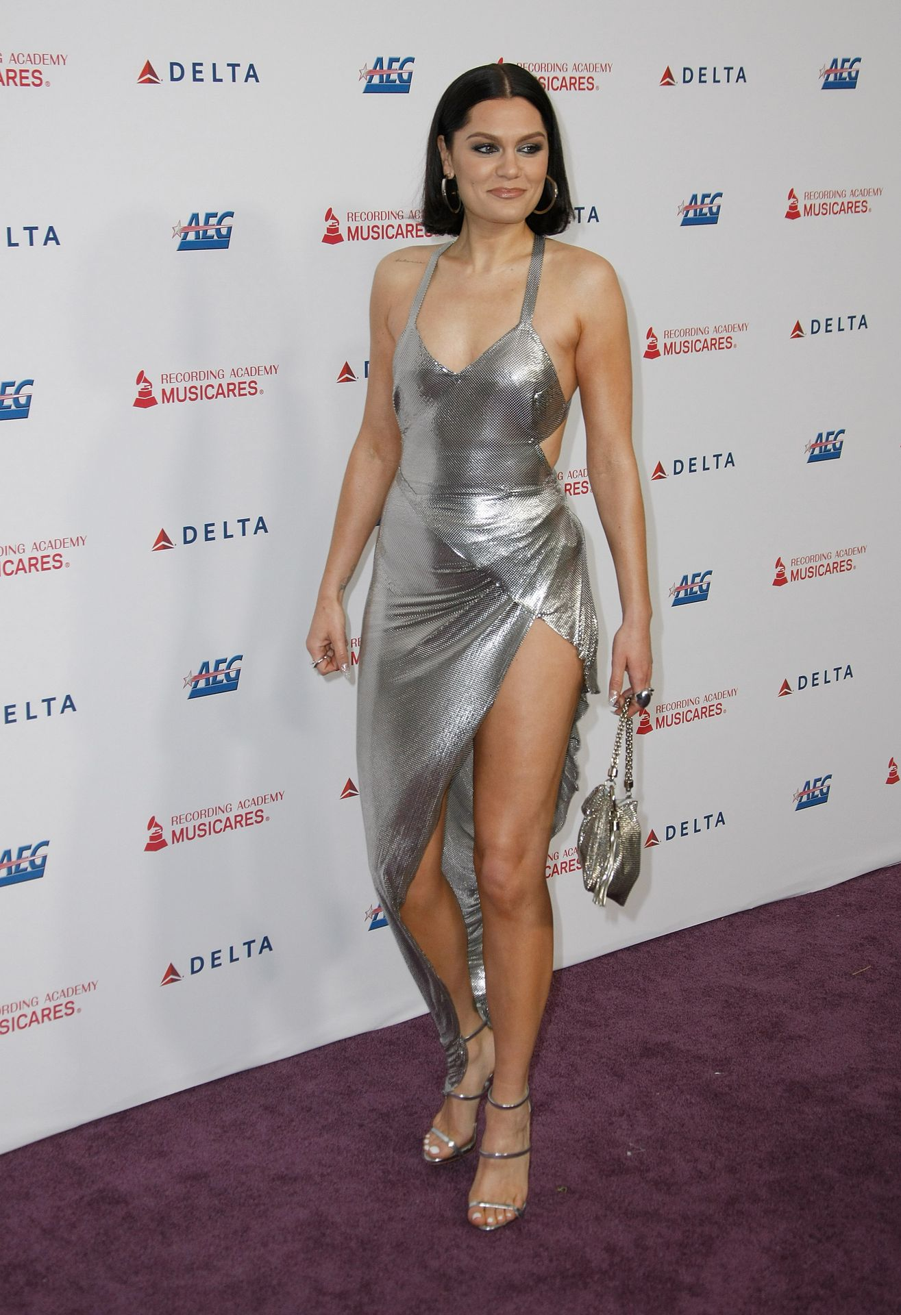 Jessie J Shows Off Her Sexy Legs At The Musicares Person Of The Year Gala 0018