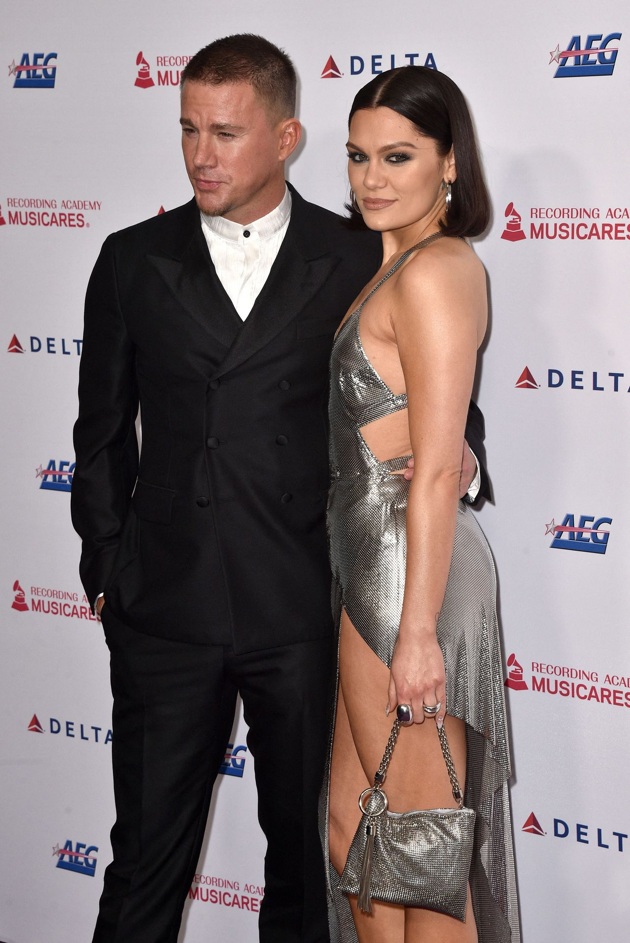 Jessie J Shows Off Her Sexy Legs At The Musicares Person Of The Year Gala 0025