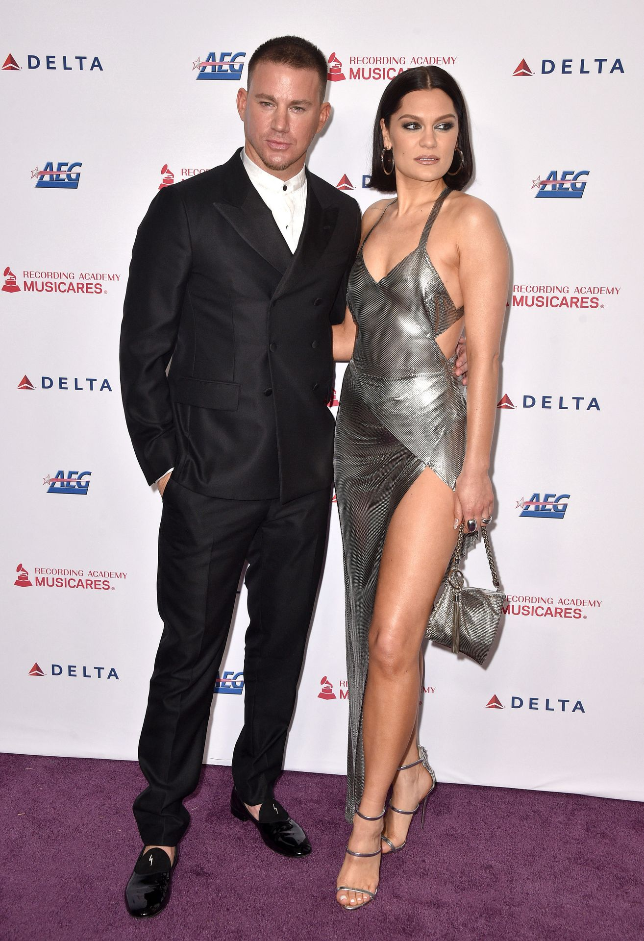 Jessie J Shows Off Her Sexy Legs At The Musicares Person Of The Year Gala 0027
