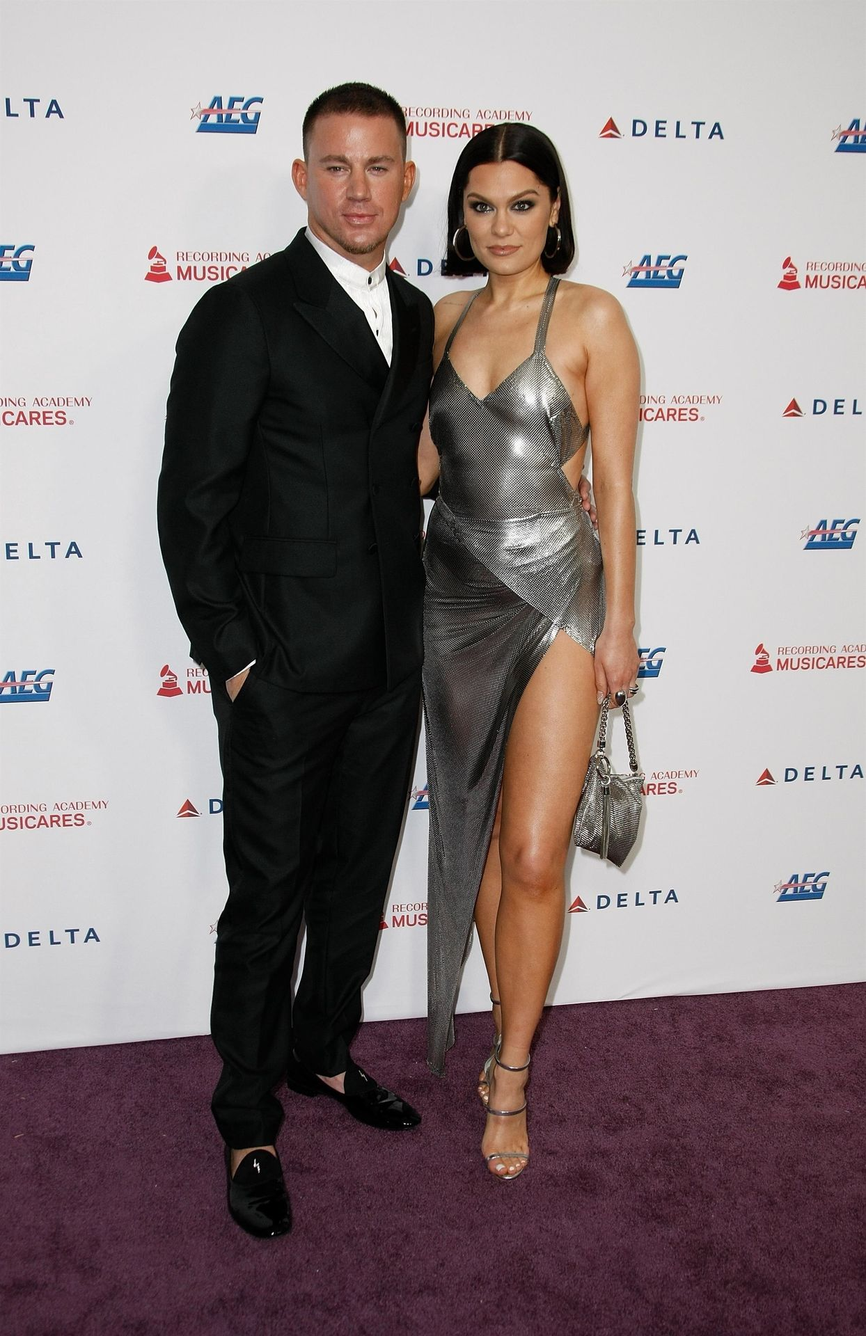 Jessie J Shows Off Her Sexy Legs At The Musicares Person Of The Year Gala 0032