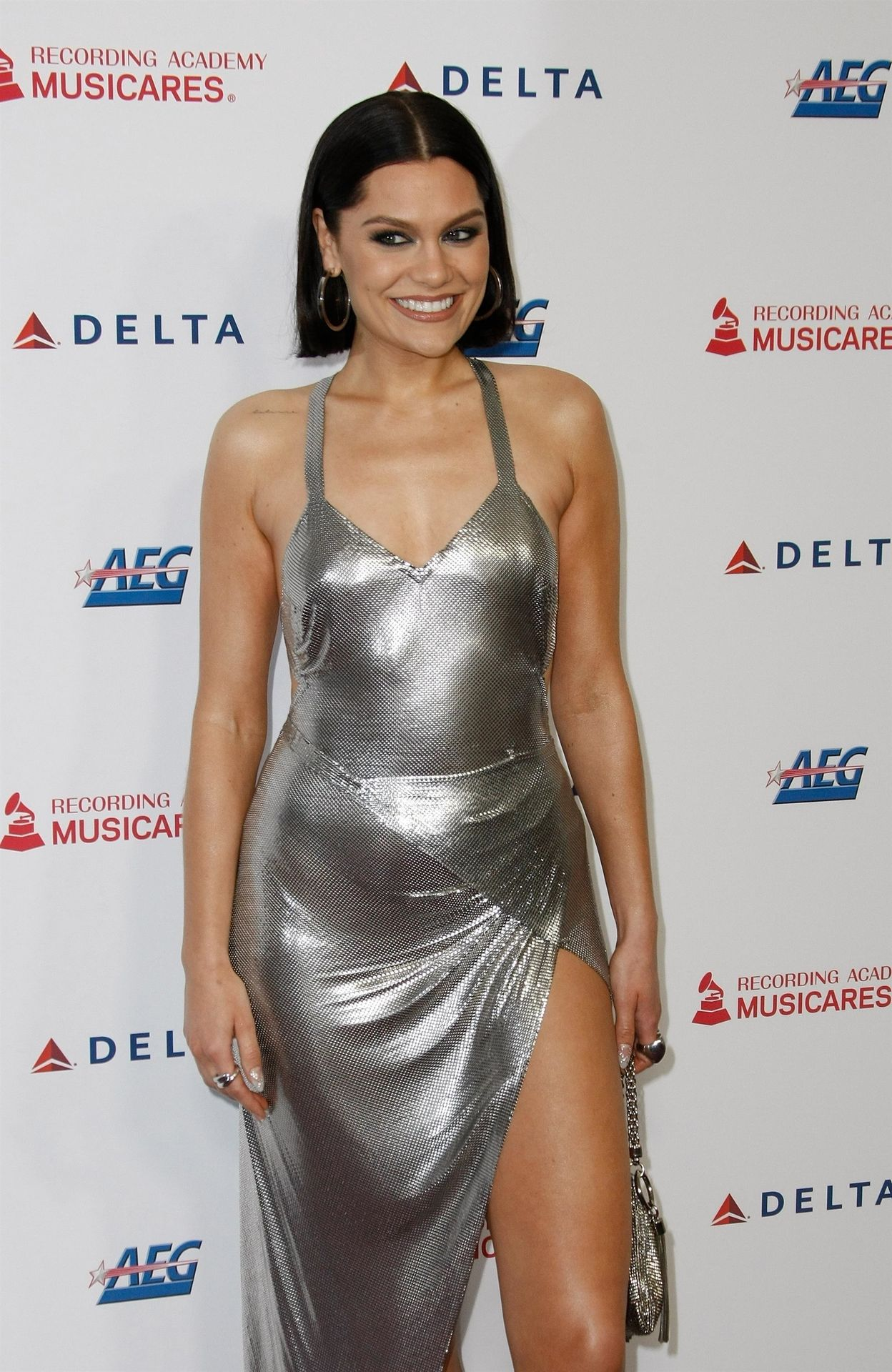 Jessie J Shows Off Her Sexy Legs At The Musicares Person Of The Year Gala 0034
