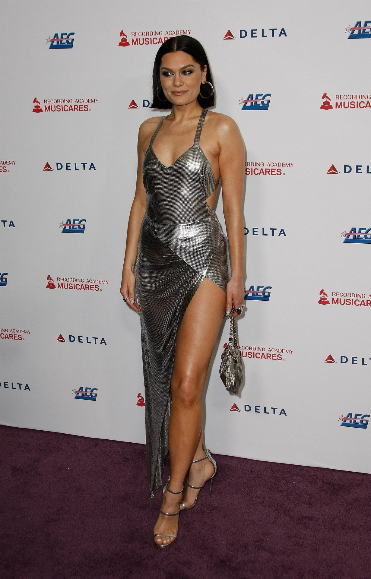 Jessie J Shows Off Her Sexy Legs At The Musicares Person Of The Year Gala 0038