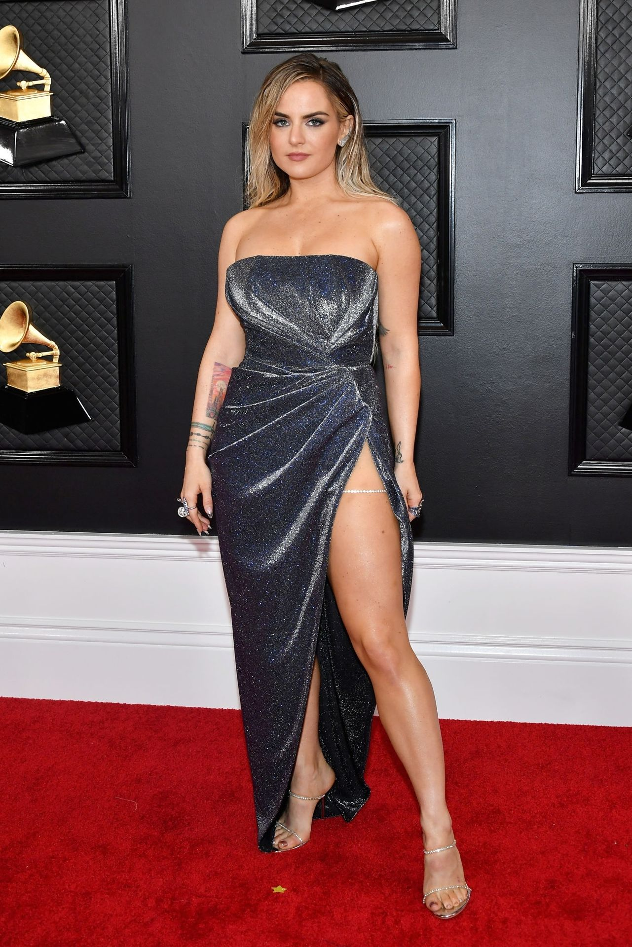 Jojo Shows Her Legs And Cleavage At The 62nd Annual Grammy Awards 0005