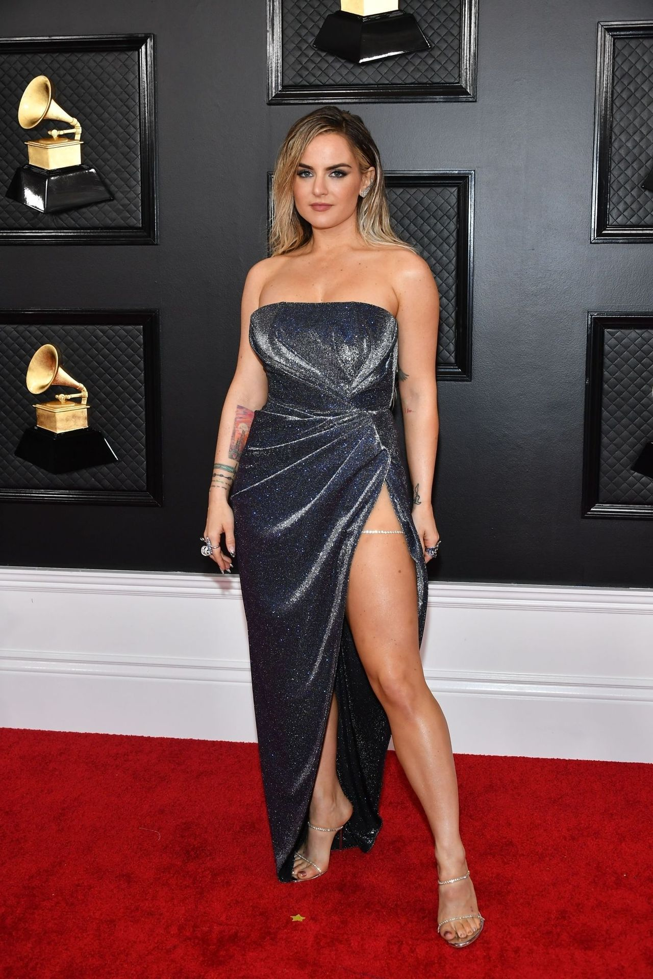 Jojo Shows Her Legs And Cleavage At The 62nd Annual Grammy Awards 0011