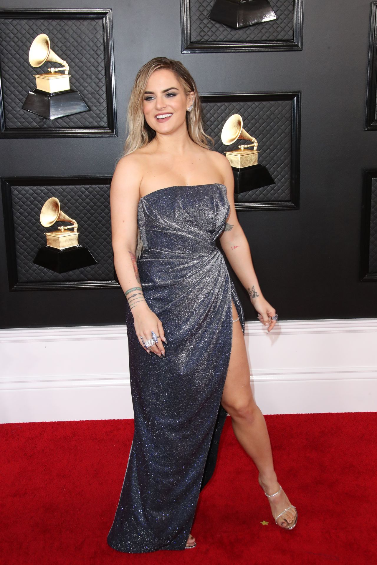 Jojo Shows Her Legs And Cleavage At The 62nd Annual Grammy Awards 0014