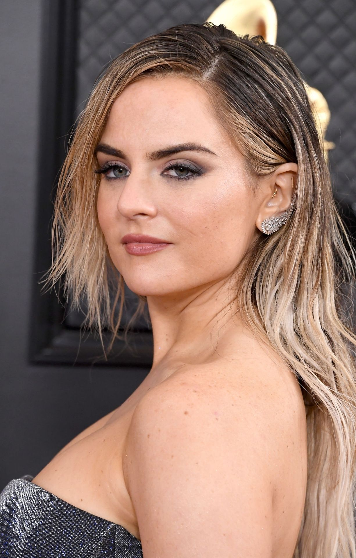 Jojo Shows Her Legs And Cleavage At The 62nd Annual Grammy Awards 0022