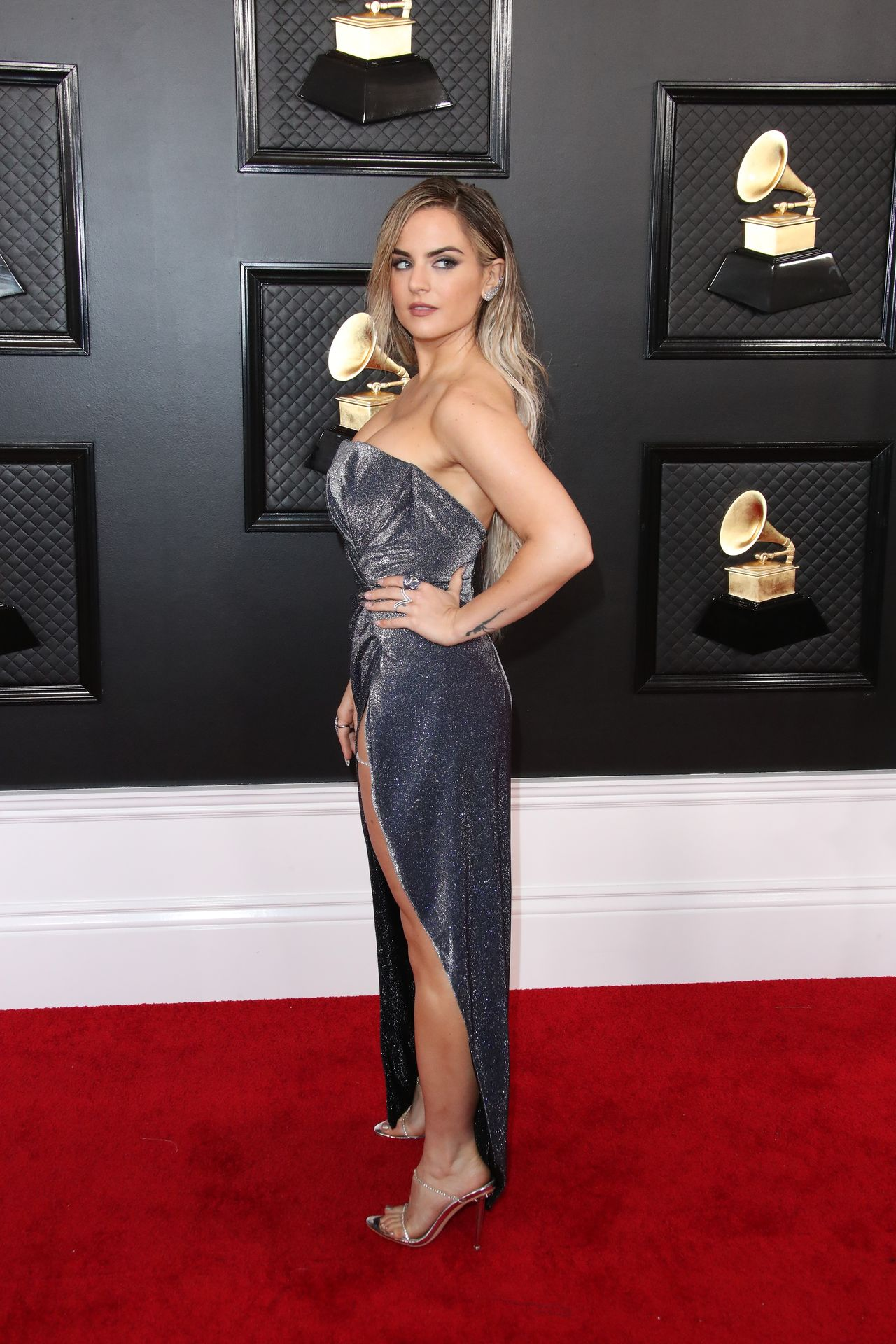 Jojo Shows Her Legs And Cleavage At The 62nd Annual Grammy Awards 0029