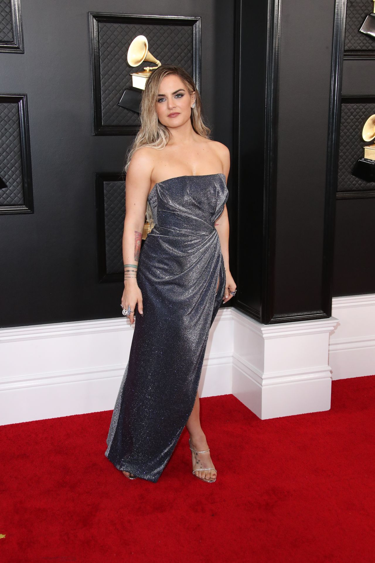Jojo Shows Her Legs And Cleavage At The 62nd Annual Grammy Awards 0032
