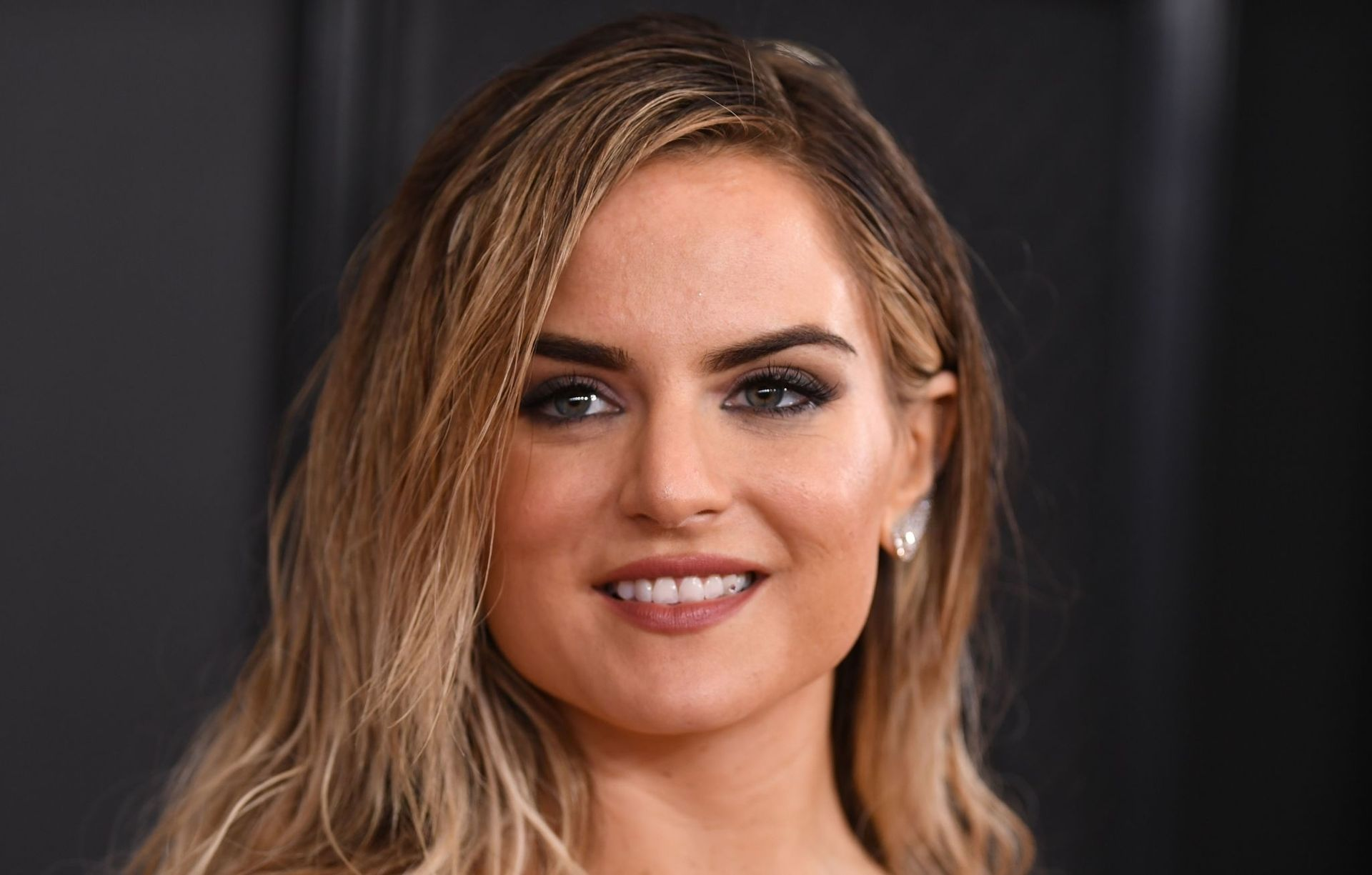 Jojo Shows Her Legs And Cleavage At The 62nd Annual Grammy Awards 0042
