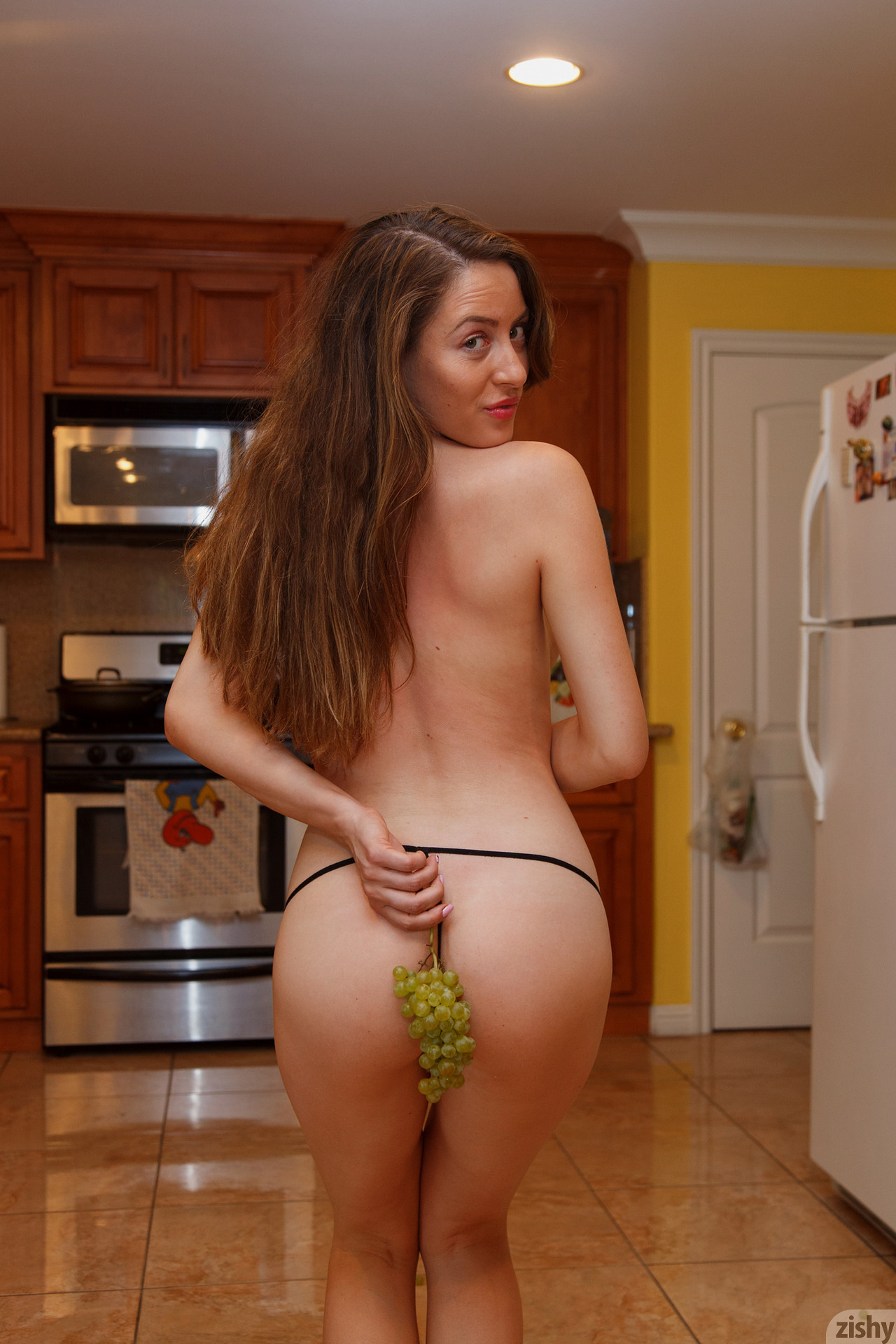 Julia Juliano And The Normal Man Zishy (37)