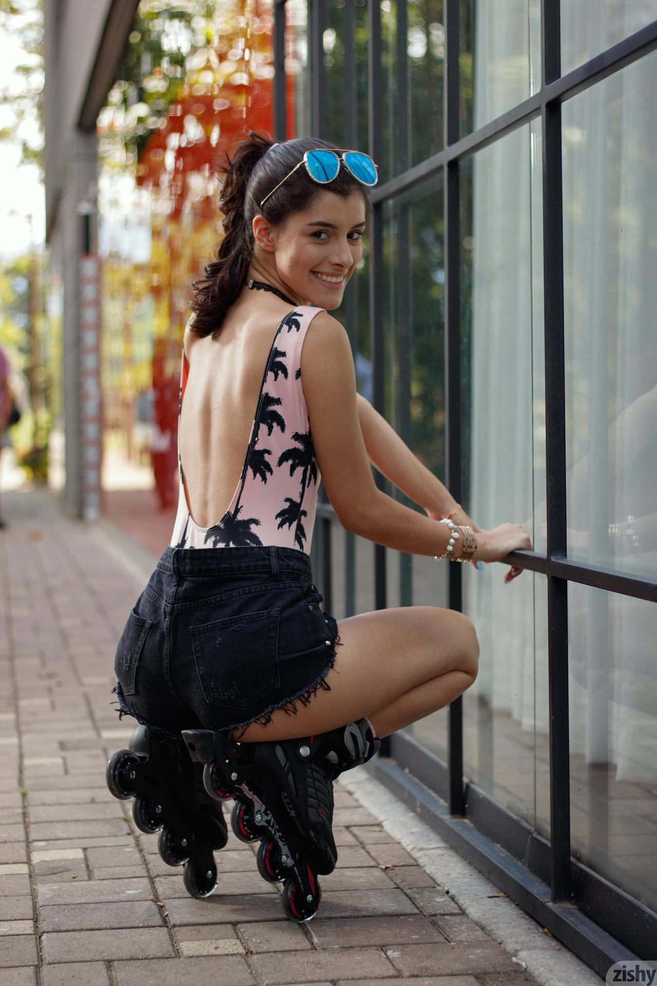 Kate Maze Skates Colombia Zishy (24)
