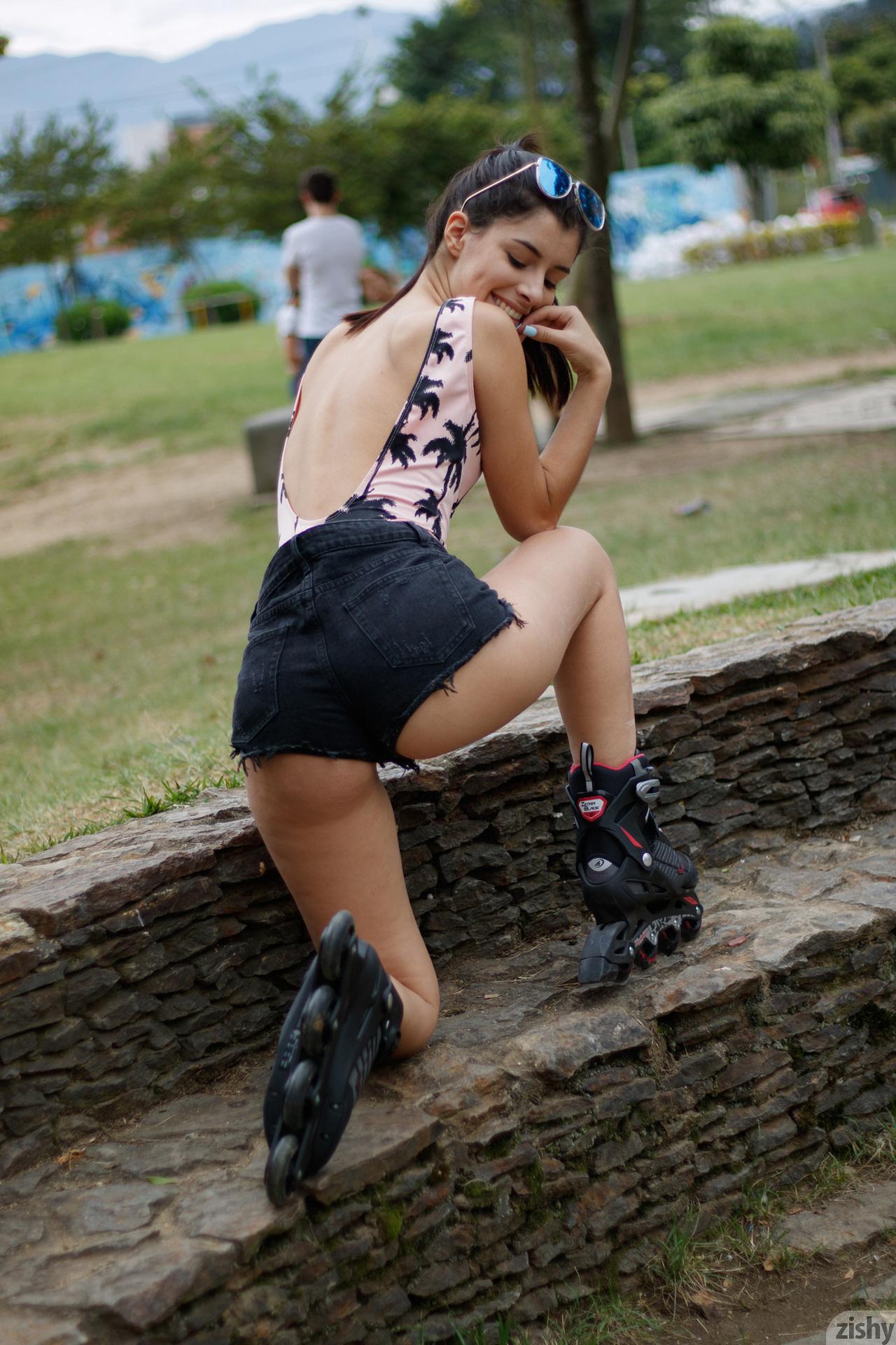 Kate Maze Skates Colombia Zishy (29)