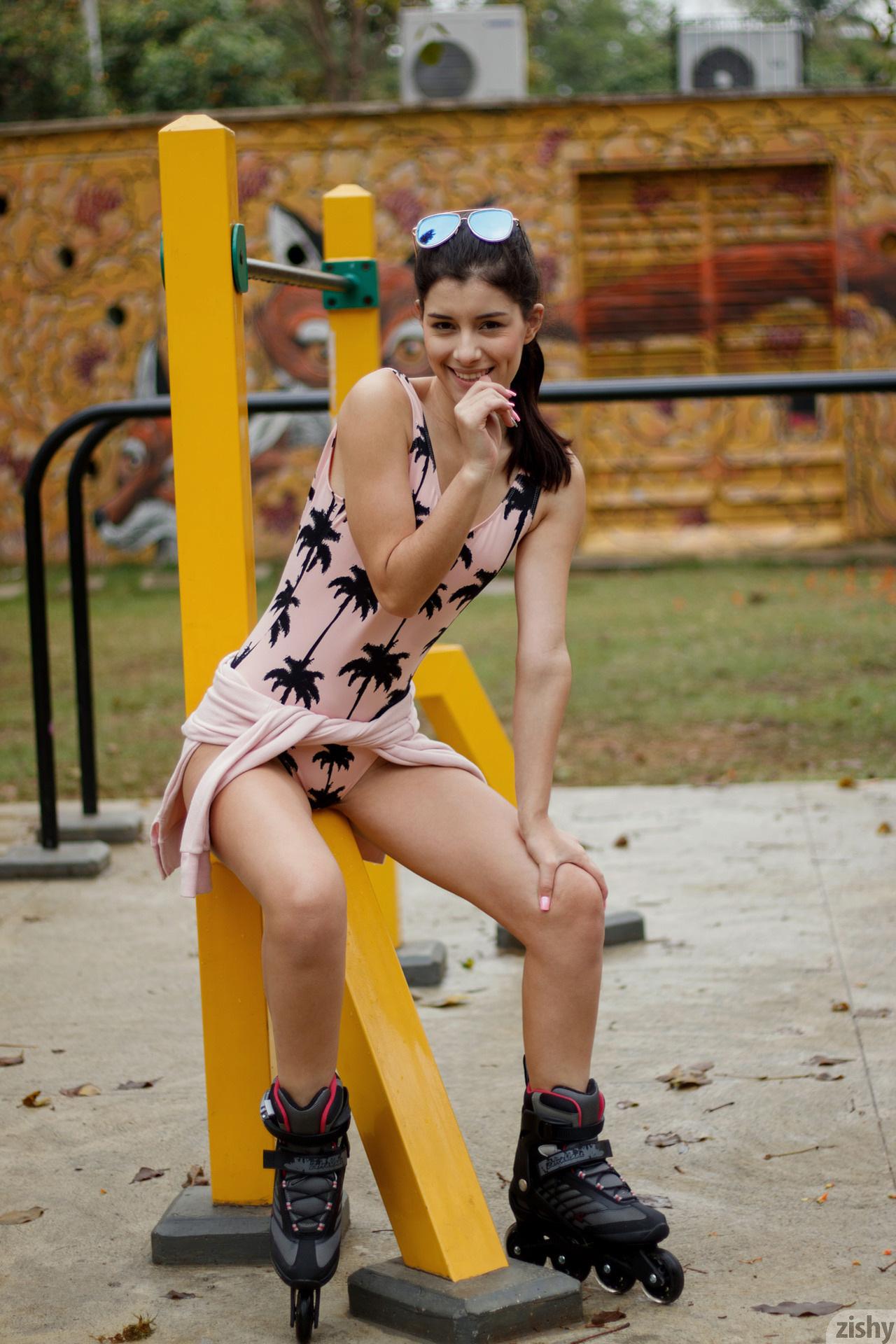 Kate Maze Skates Colombia Zishy (45)