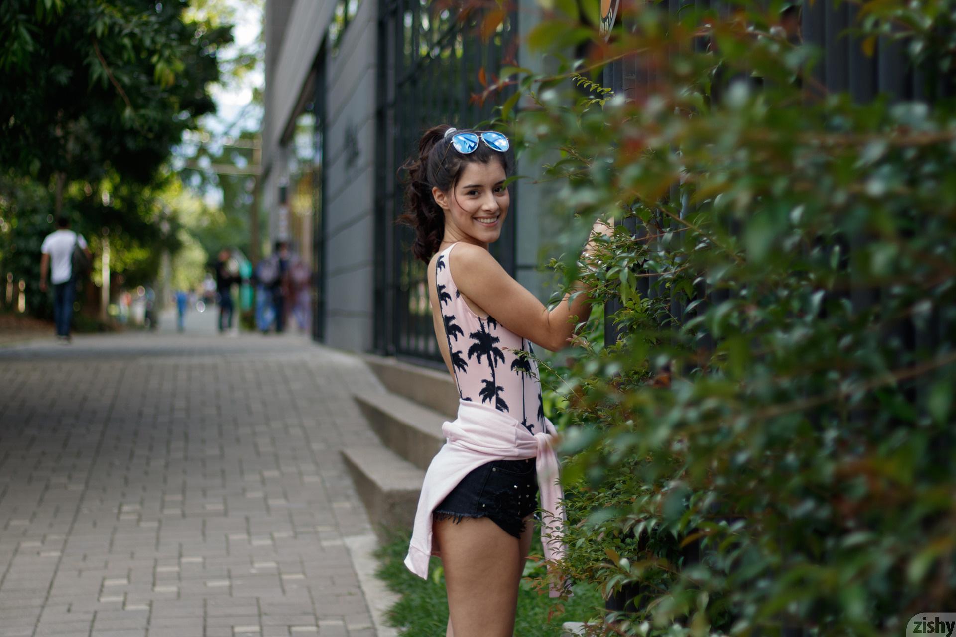 Kate Maze Skates Colombia Zishy (8)