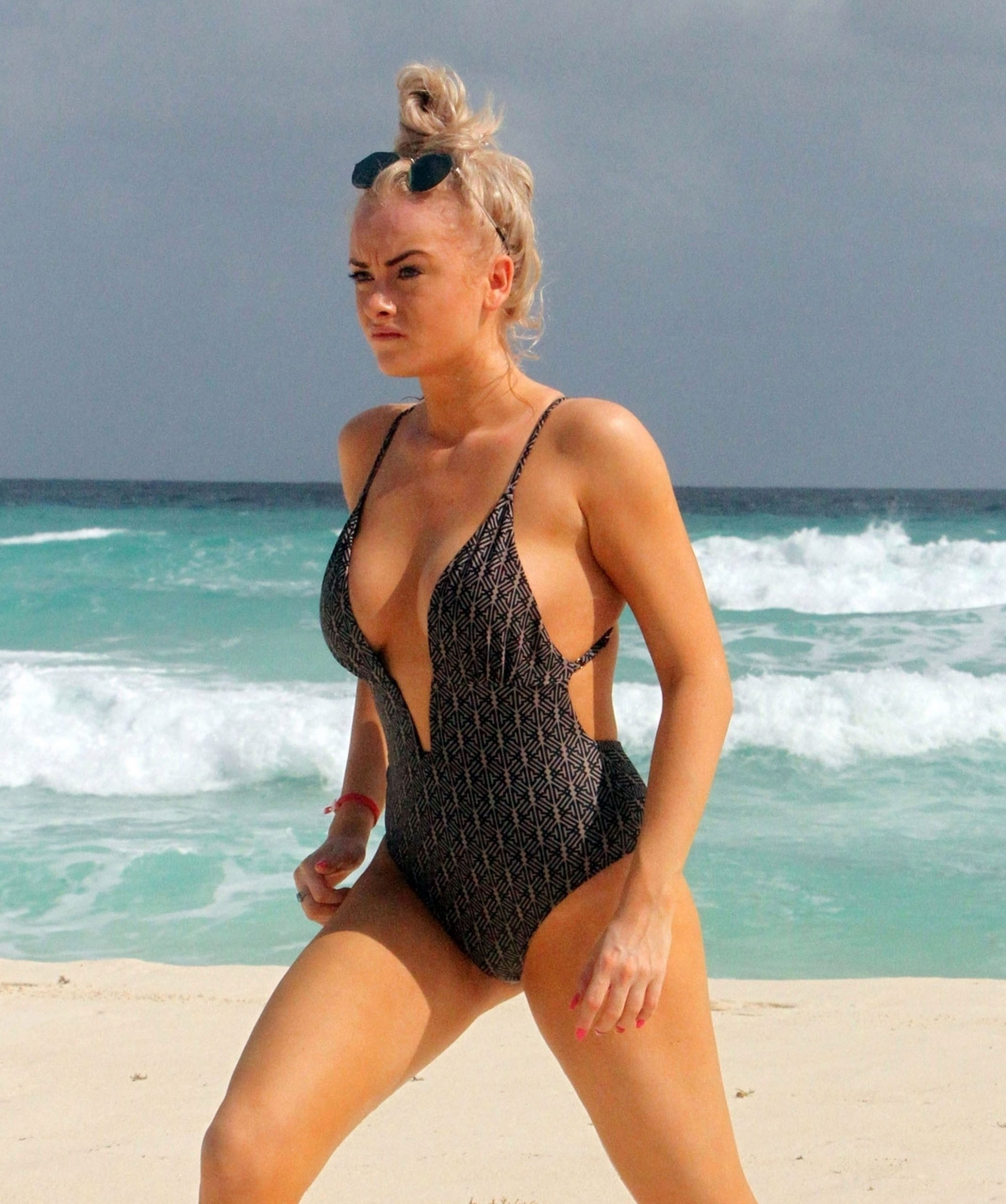 Katie Mcglynn Shows Off Her Sexy Body In A Black Swimsuit 0001