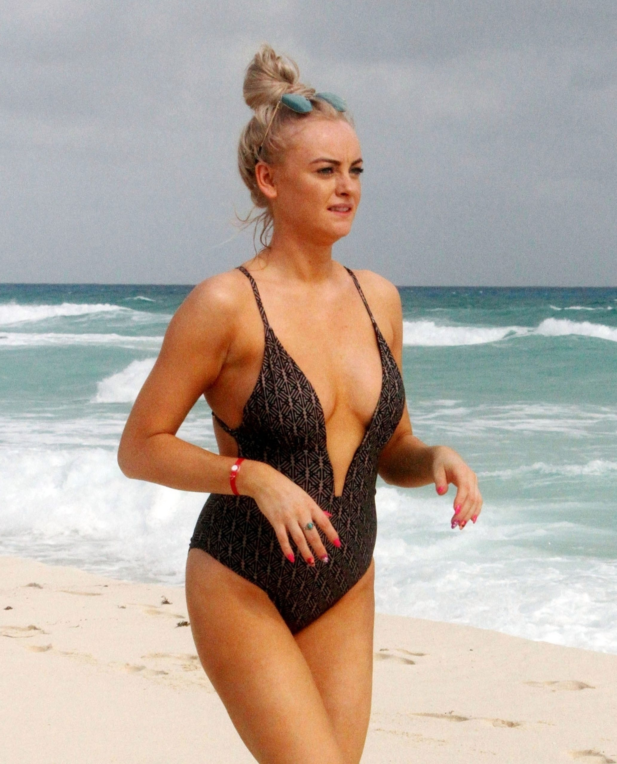 Katie Mcglynn Shows Off Her Sexy Body In A Black Swimsuit 0003