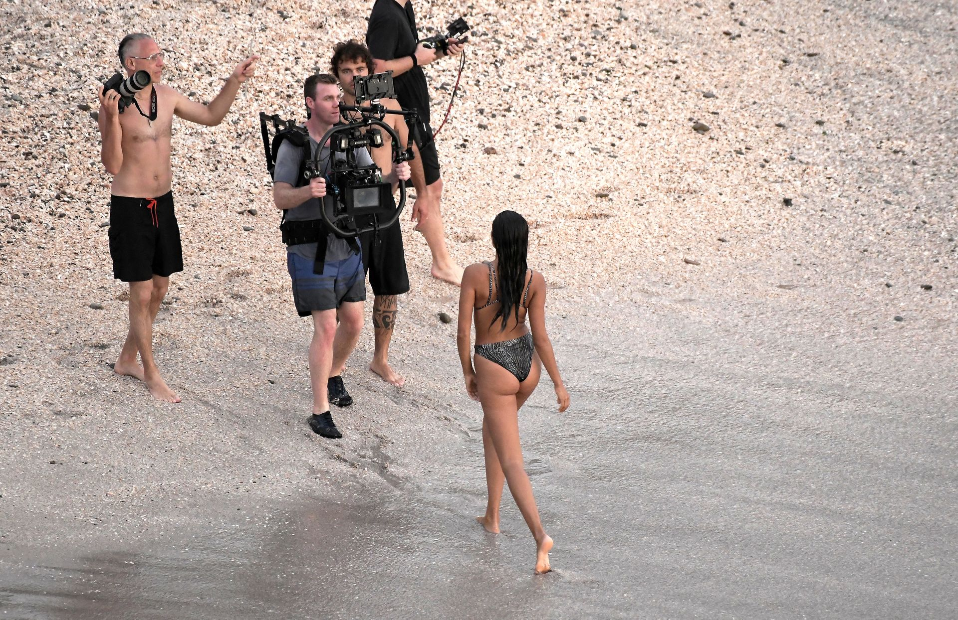 Kelly Gale Displays Her Sexy Body 0013