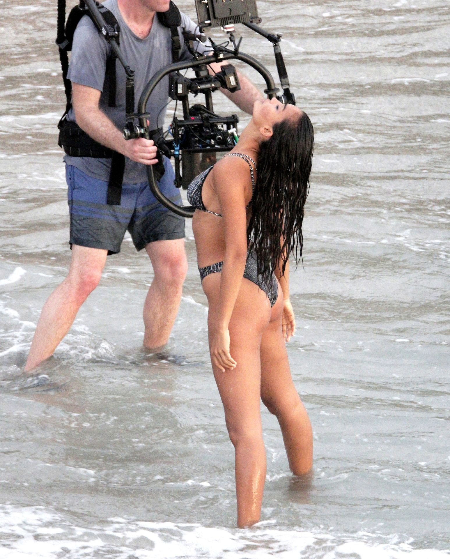 Kelly Gale Displays Her Sexy Body 0047