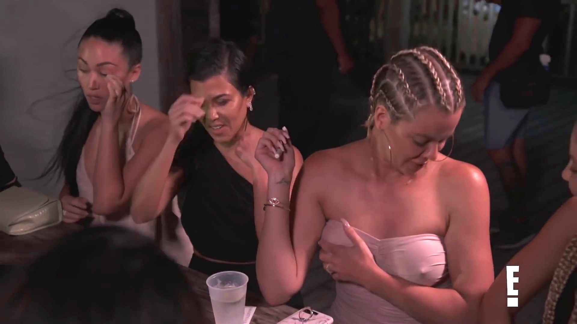 Khloé Kardashian Gets A Little Cold Without A Bra 0001