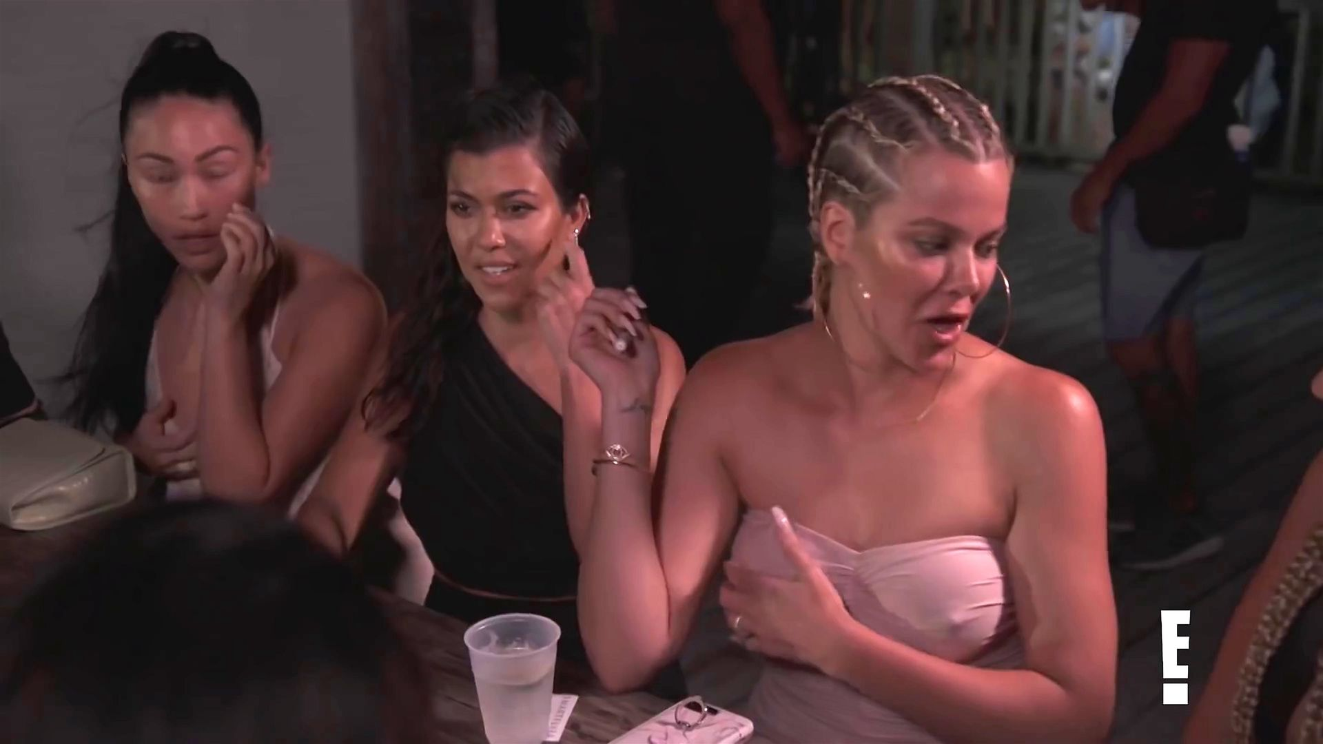 Khloé Kardashian Gets A Little Cold Without A Bra 0002