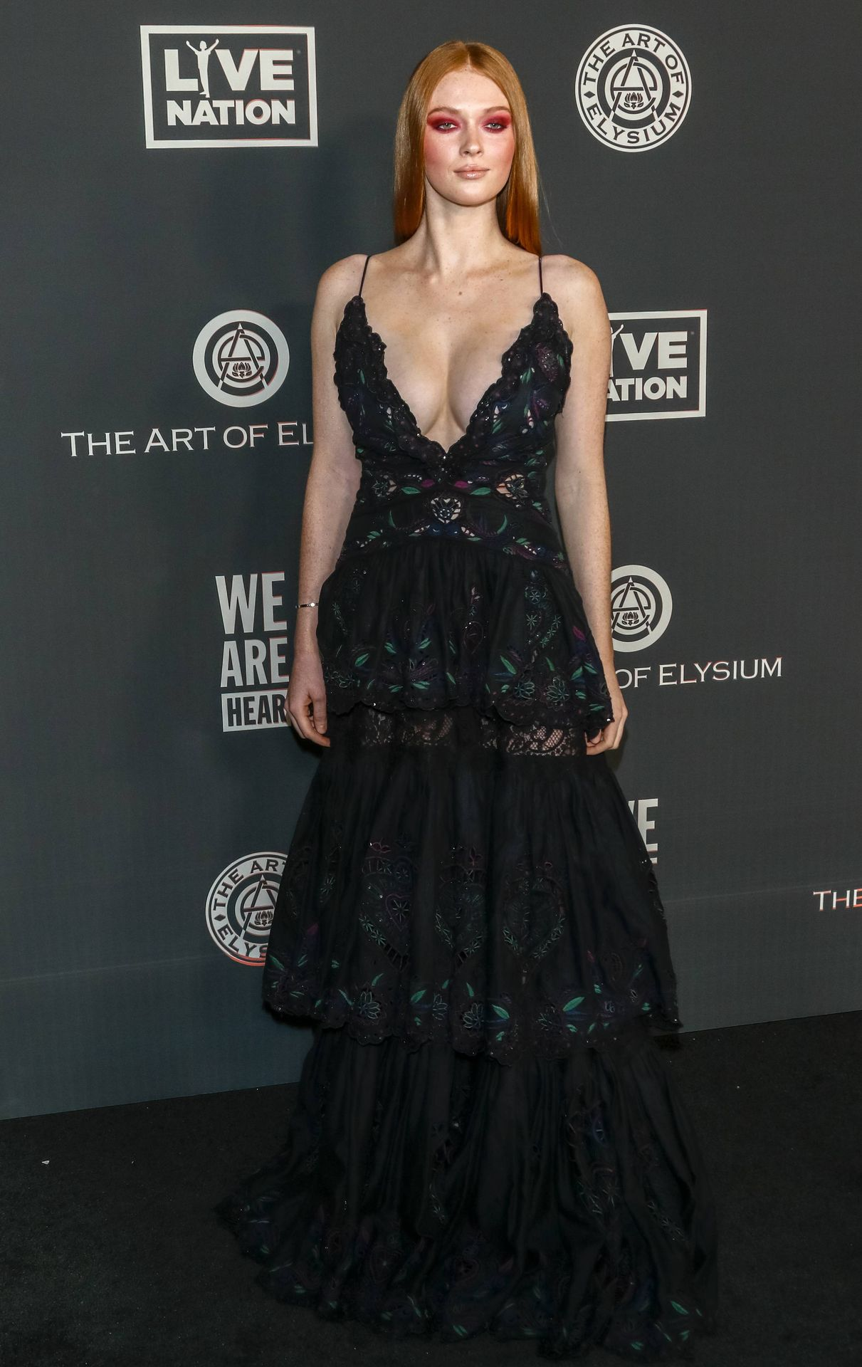 Larsen Thompson's Cleavage At The Art Of Elysium's 13th Annual Black Tie Artistic Experience Heaven 0001