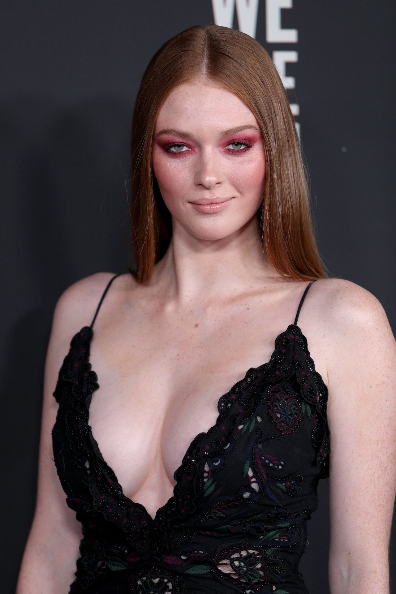Larsen Thompson's Cleavage At The Art Of Elysium's 13th Annual Black Tie Artistic Experience Heaven 0006