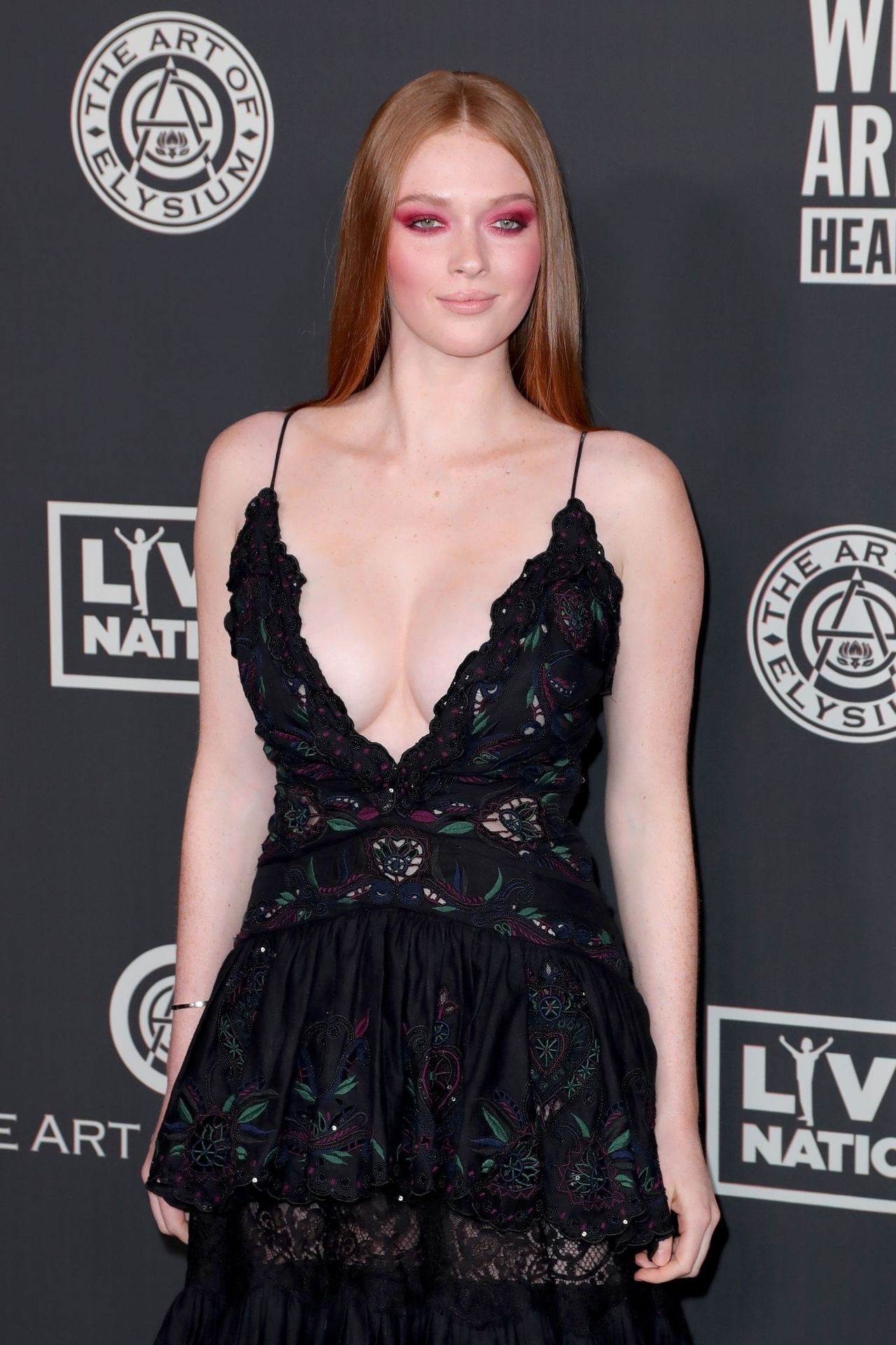 Larsen Thompson's Cleavage At The Art Of Elysium's 13th Annual Black Tie Artistic Experience Heaven 0011