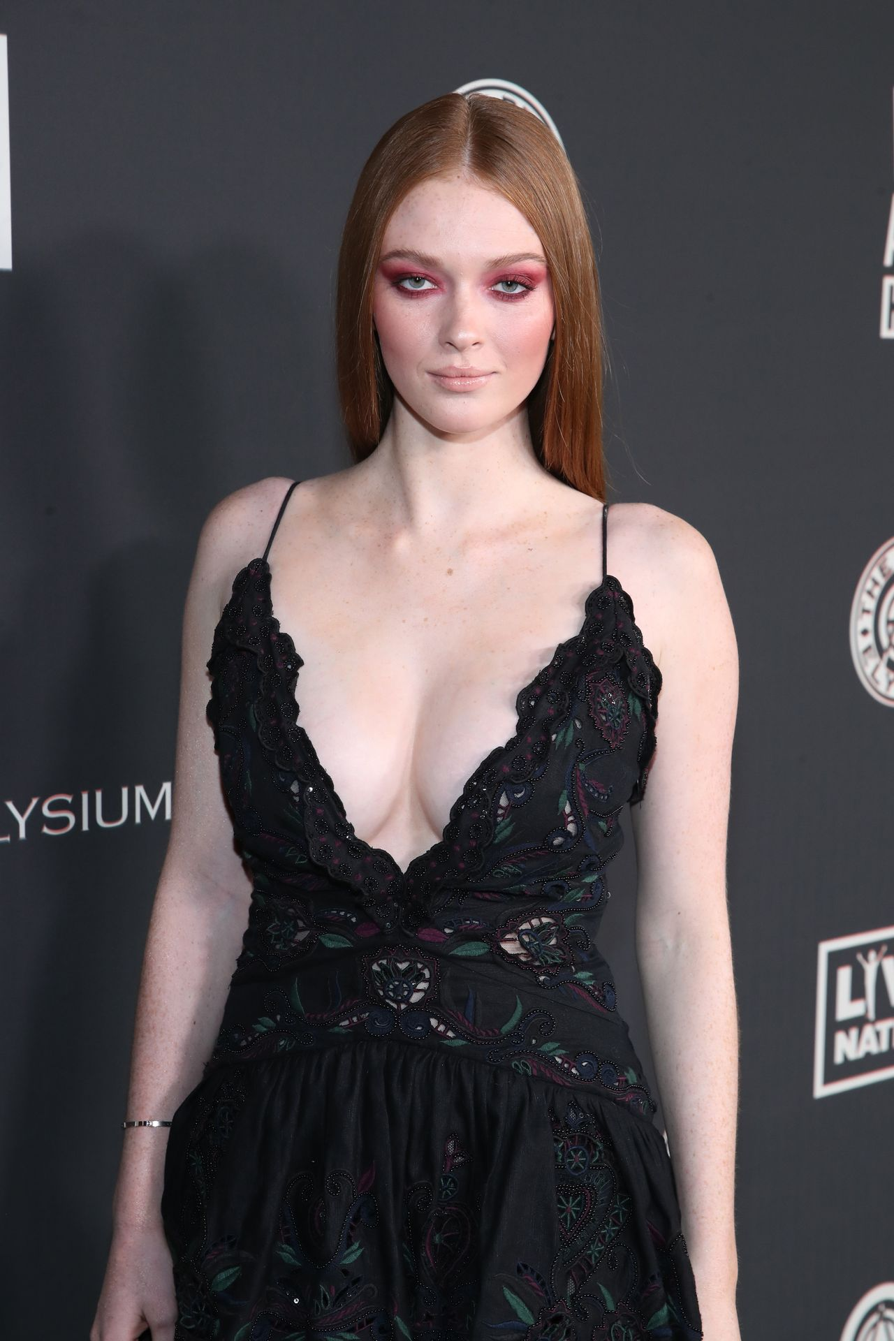 Larsen Thompson's Cleavage At The Art Of Elysium's 13th Annual Black Tie Artistic Experience Heaven 0014