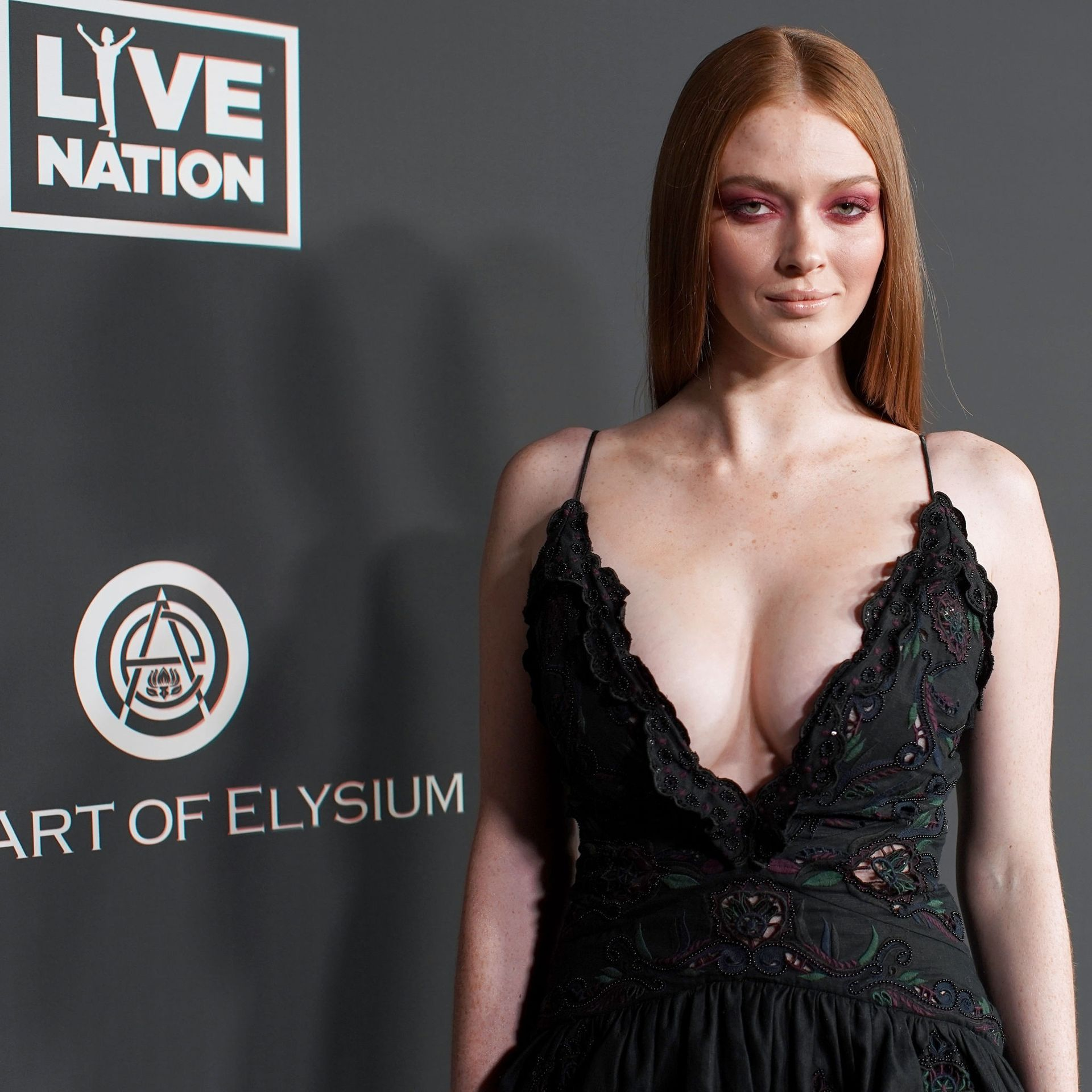 Larsen Thompson's Cleavage At The Art Of Elysium's 13th Annual Black Tie Artistic Experience Heaven 0015