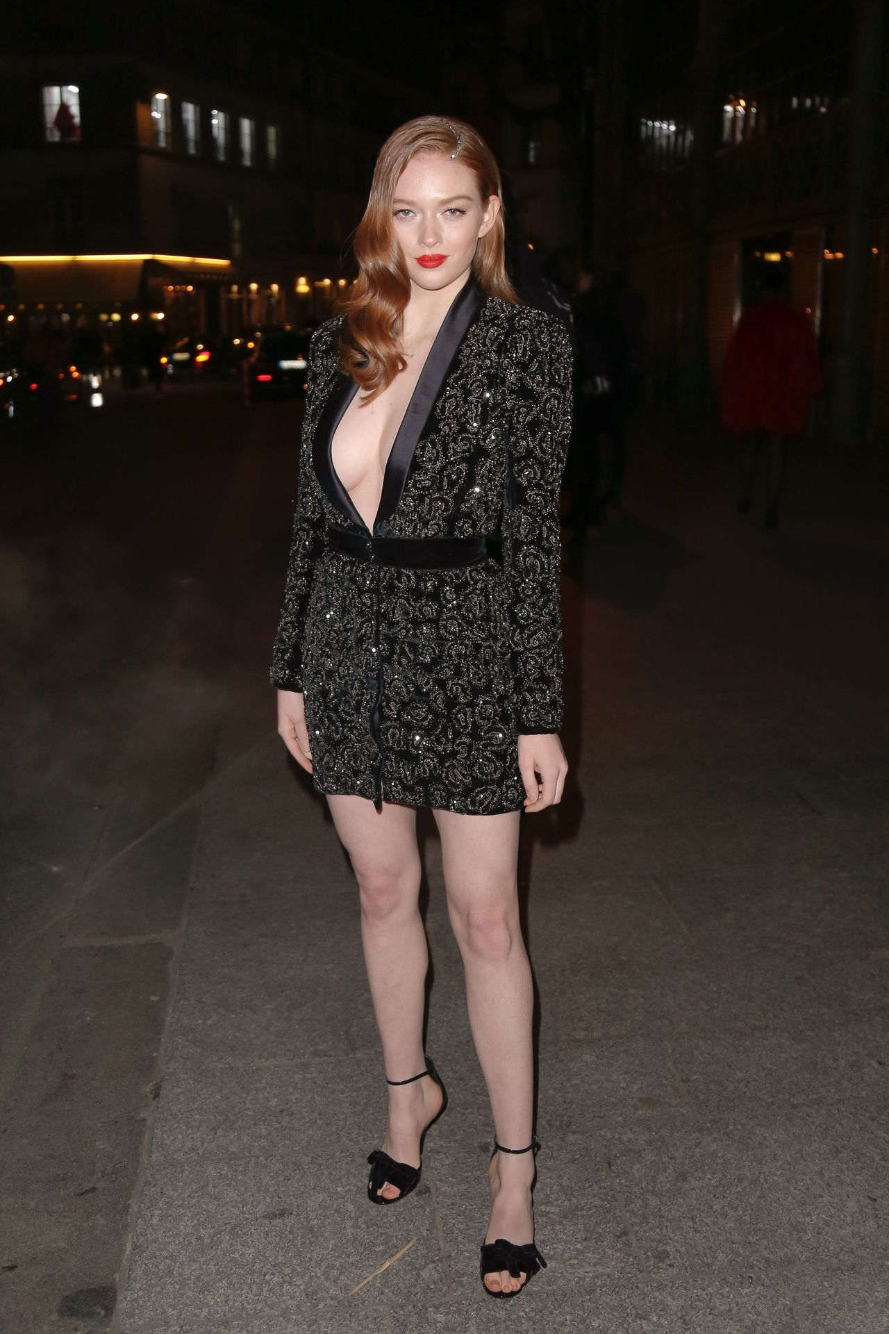 Larsen Thompson Wows With Her Tits At The Fashion Show 0003