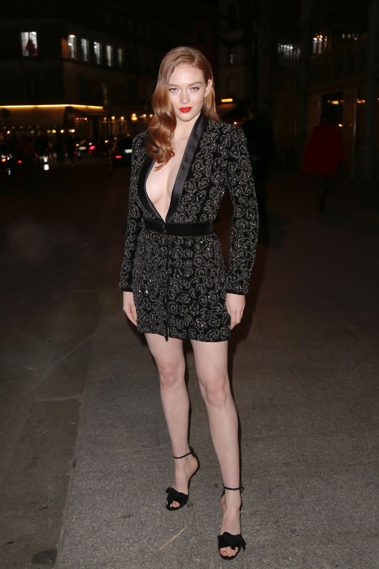 Larsen Thompson Wows With Her Tits At The Fashion Show 0004