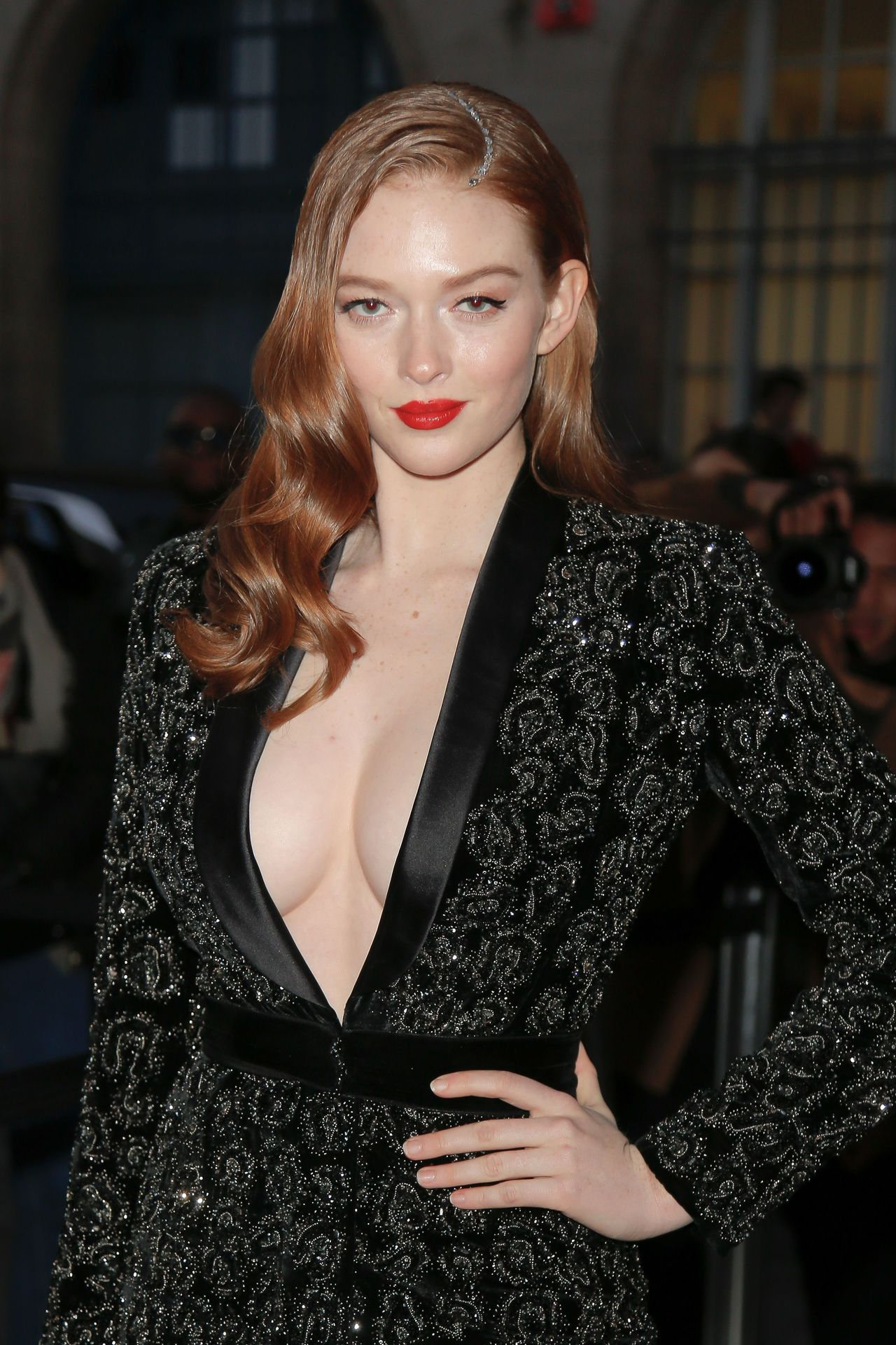 Larsen Thompson Wows With Her Tits At The Fashion Show 0006