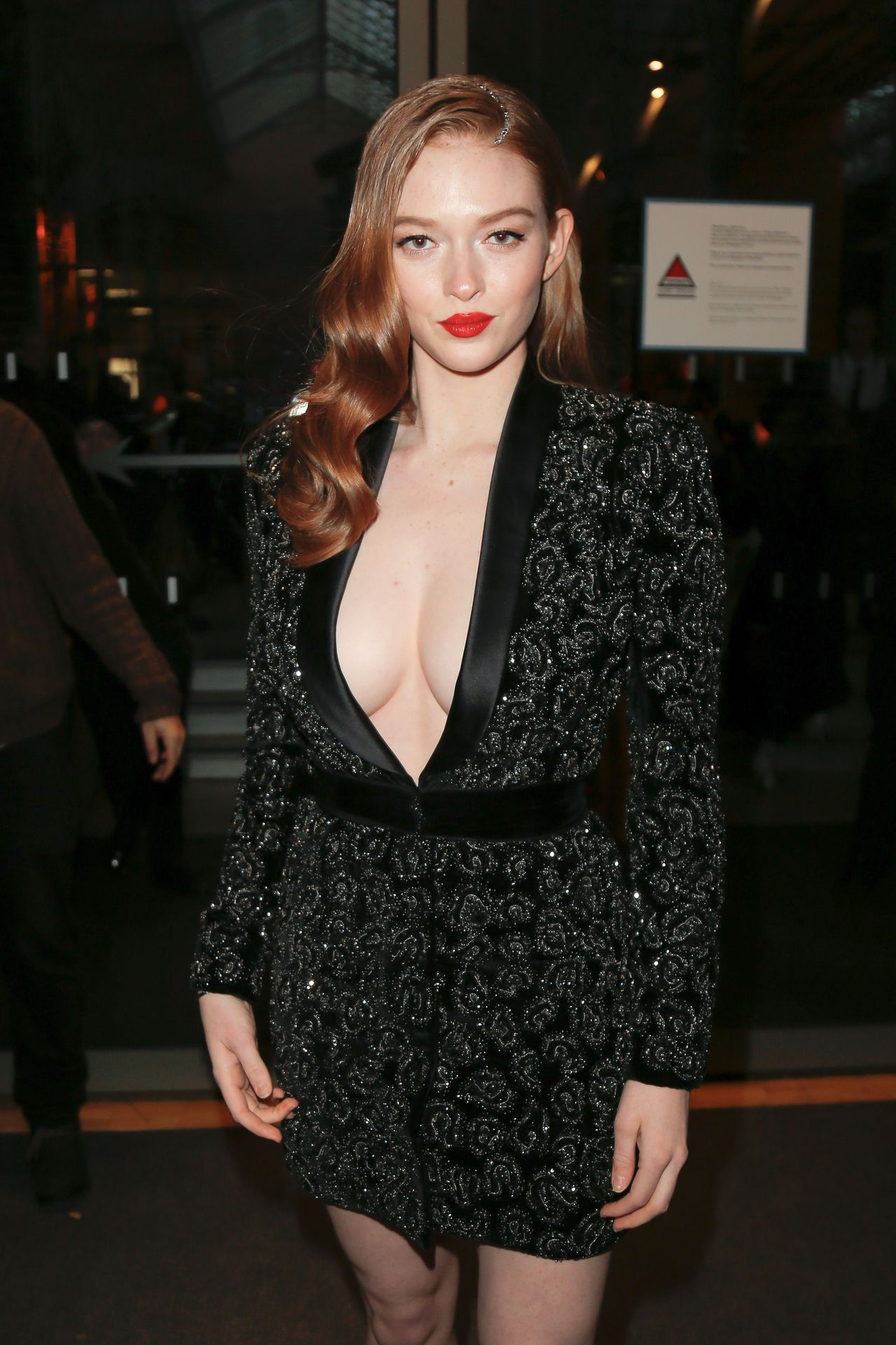 Larsen Thompson Wows With Her Tits At The Fashion Show 0007