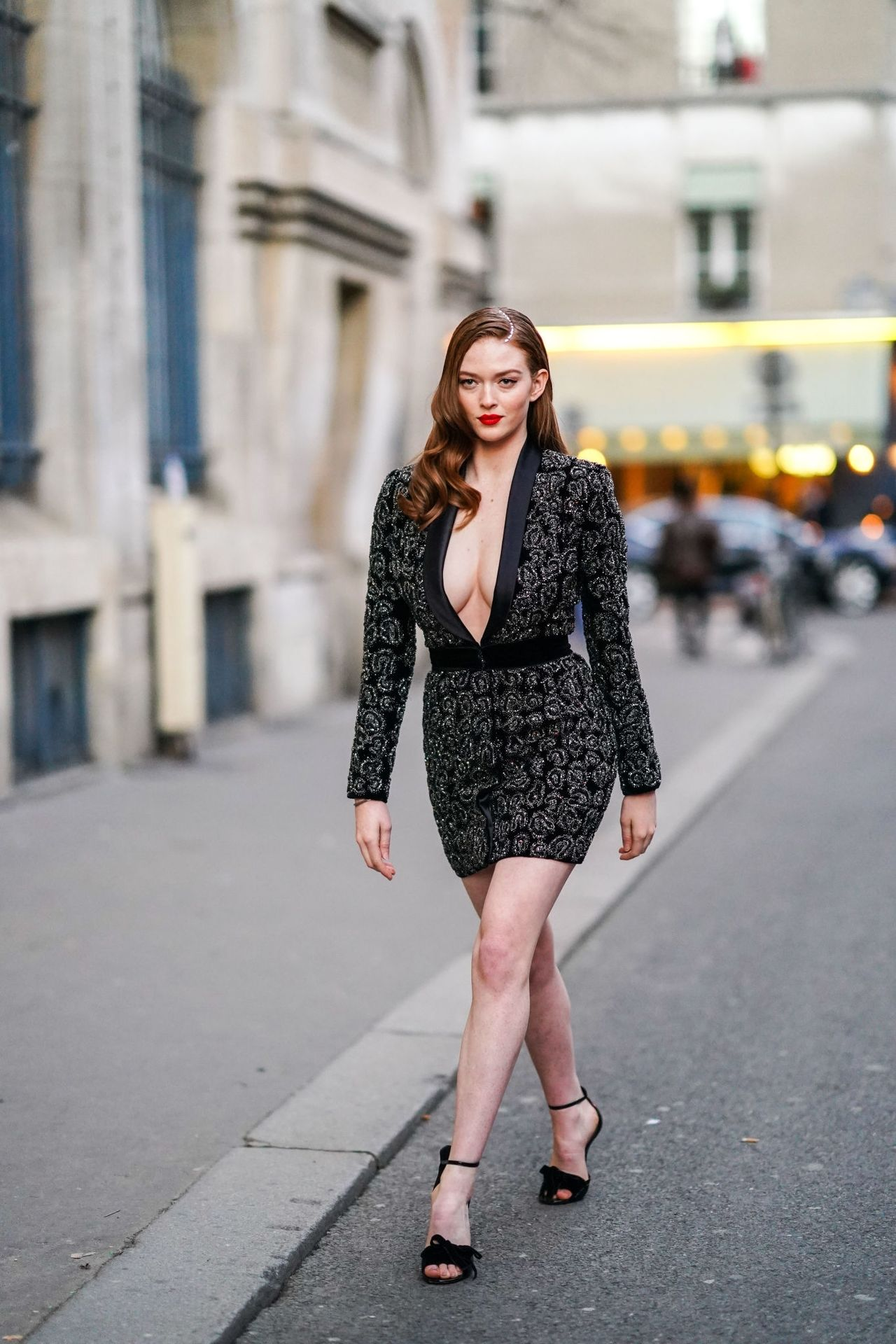 Larsen Thompson Wows With Her Tits At The Fashion Show 0012