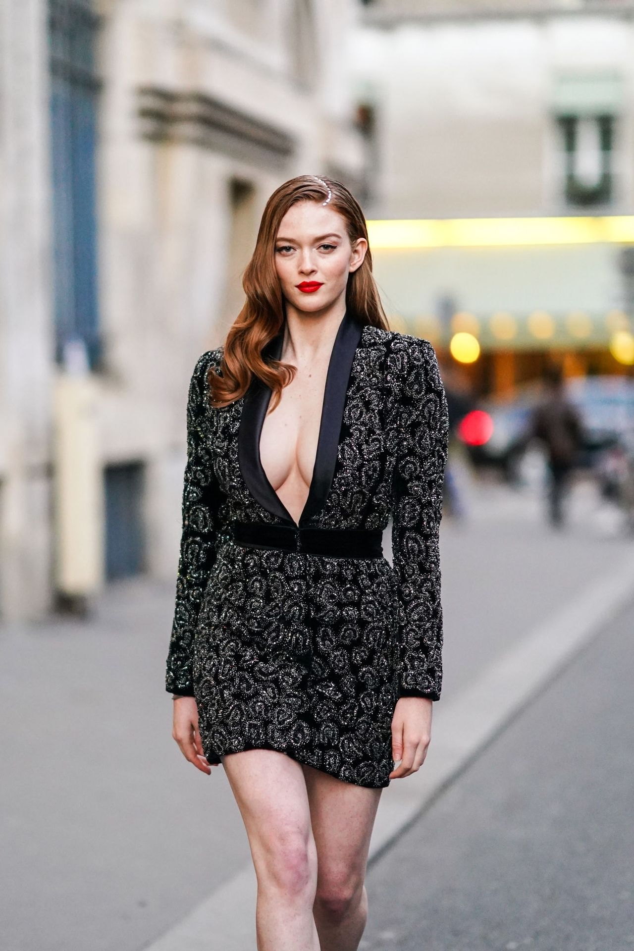 Larsen Thompson Wows With Her Tits At The Fashion Show 0018