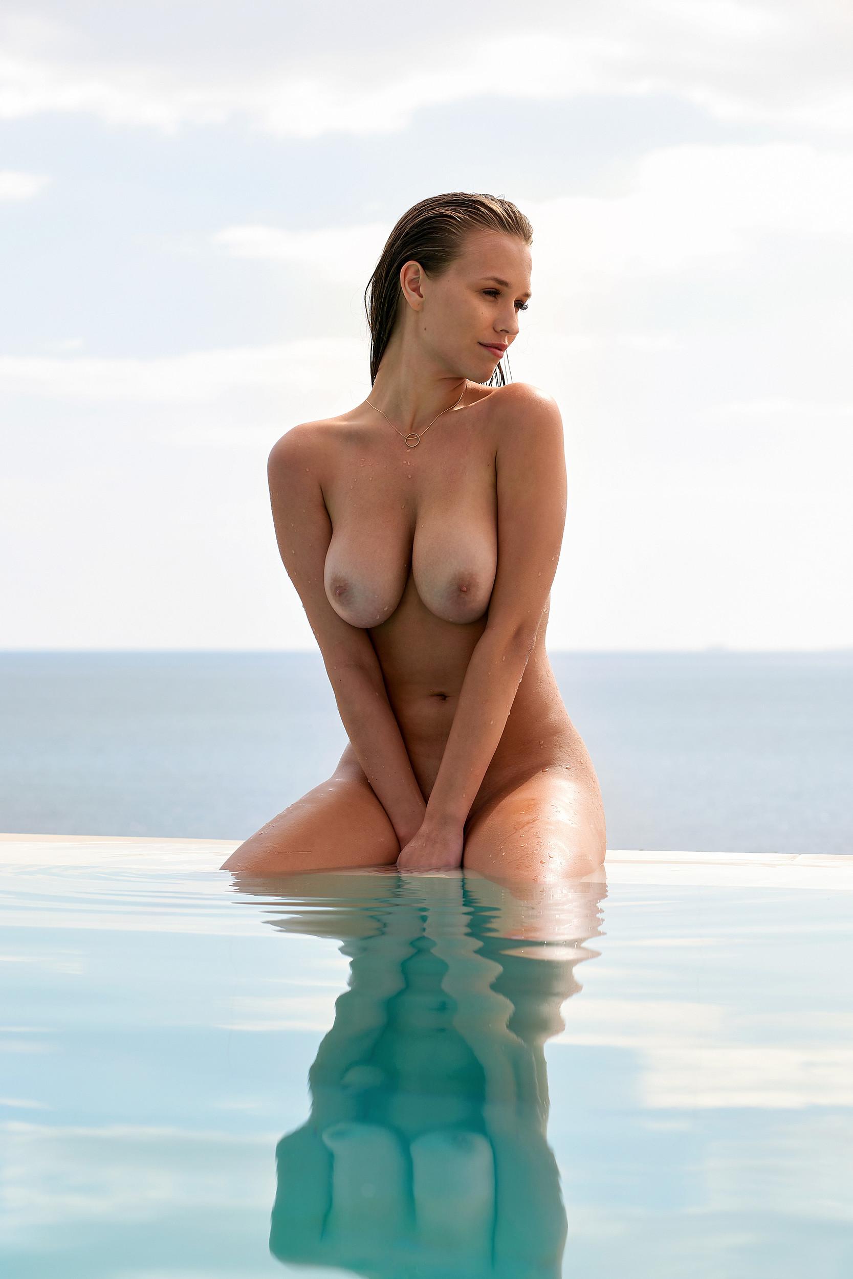 Laura Ortega  nackt