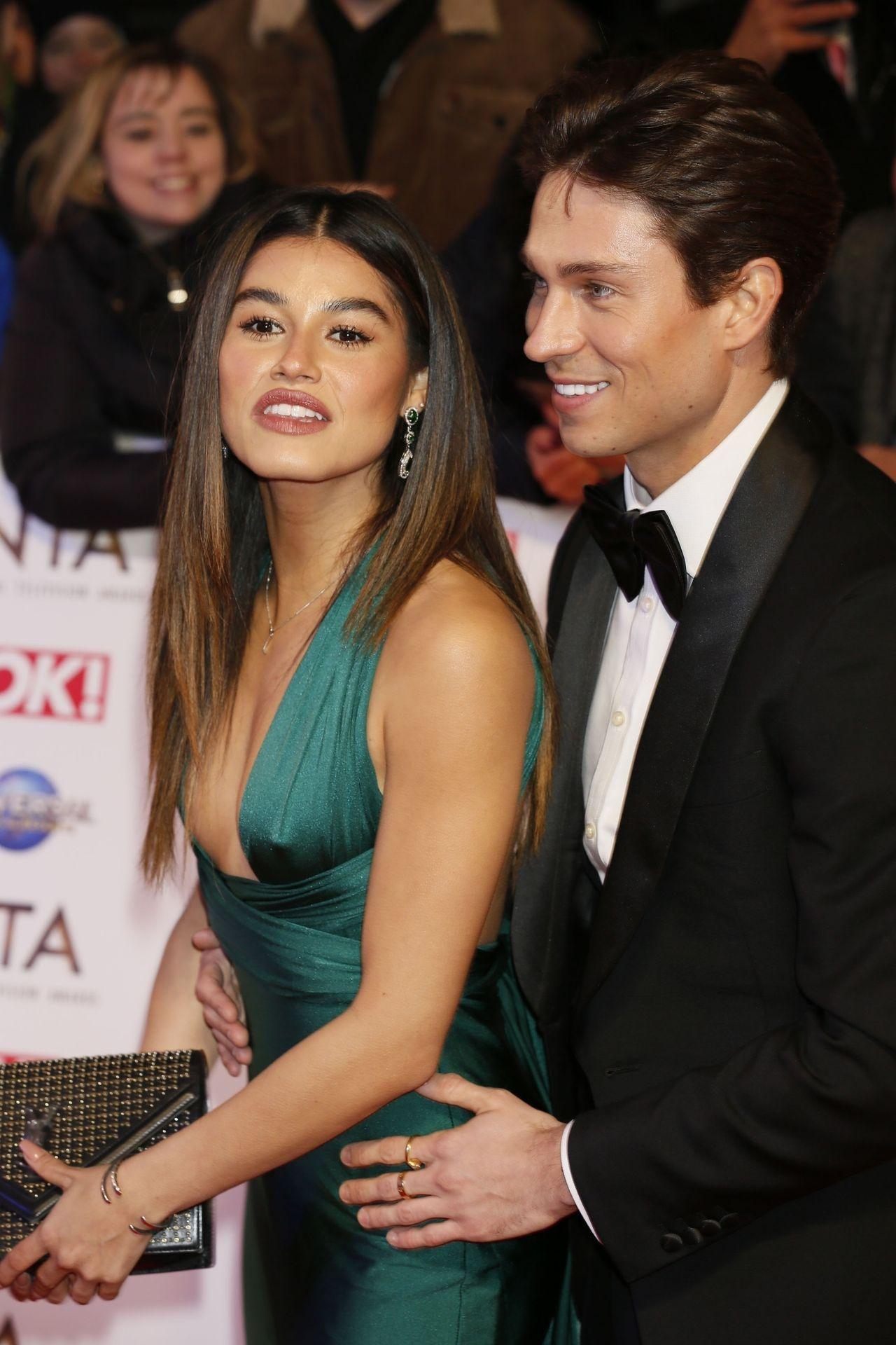 Lorena Medina Shows Pokies At The National Television Awards 0008