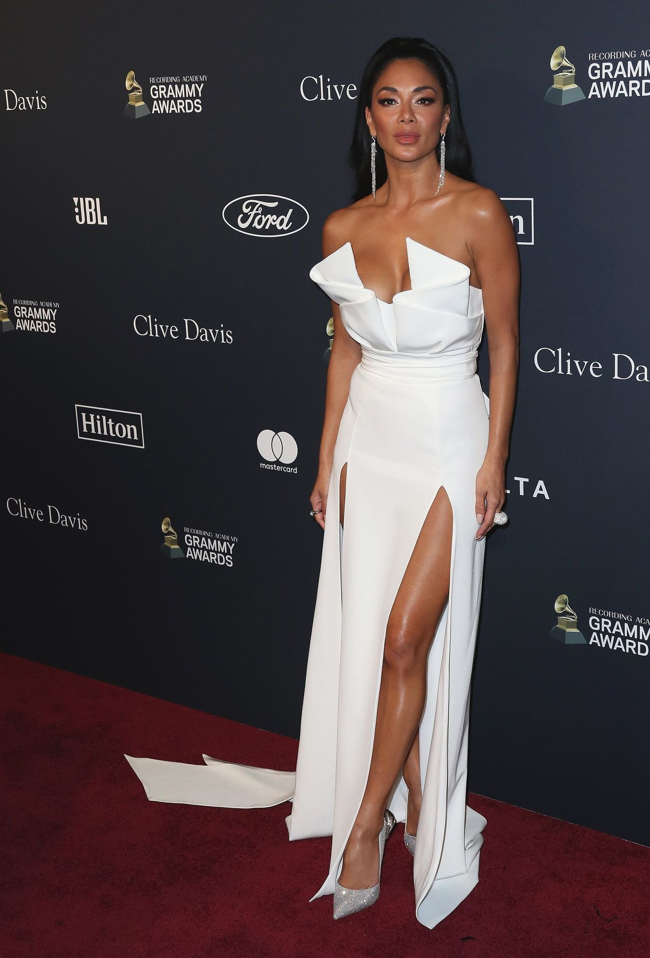 Nicole Scherzinger Stuns At The Clive Davis' 2020 Pre Grammy Gala 0011