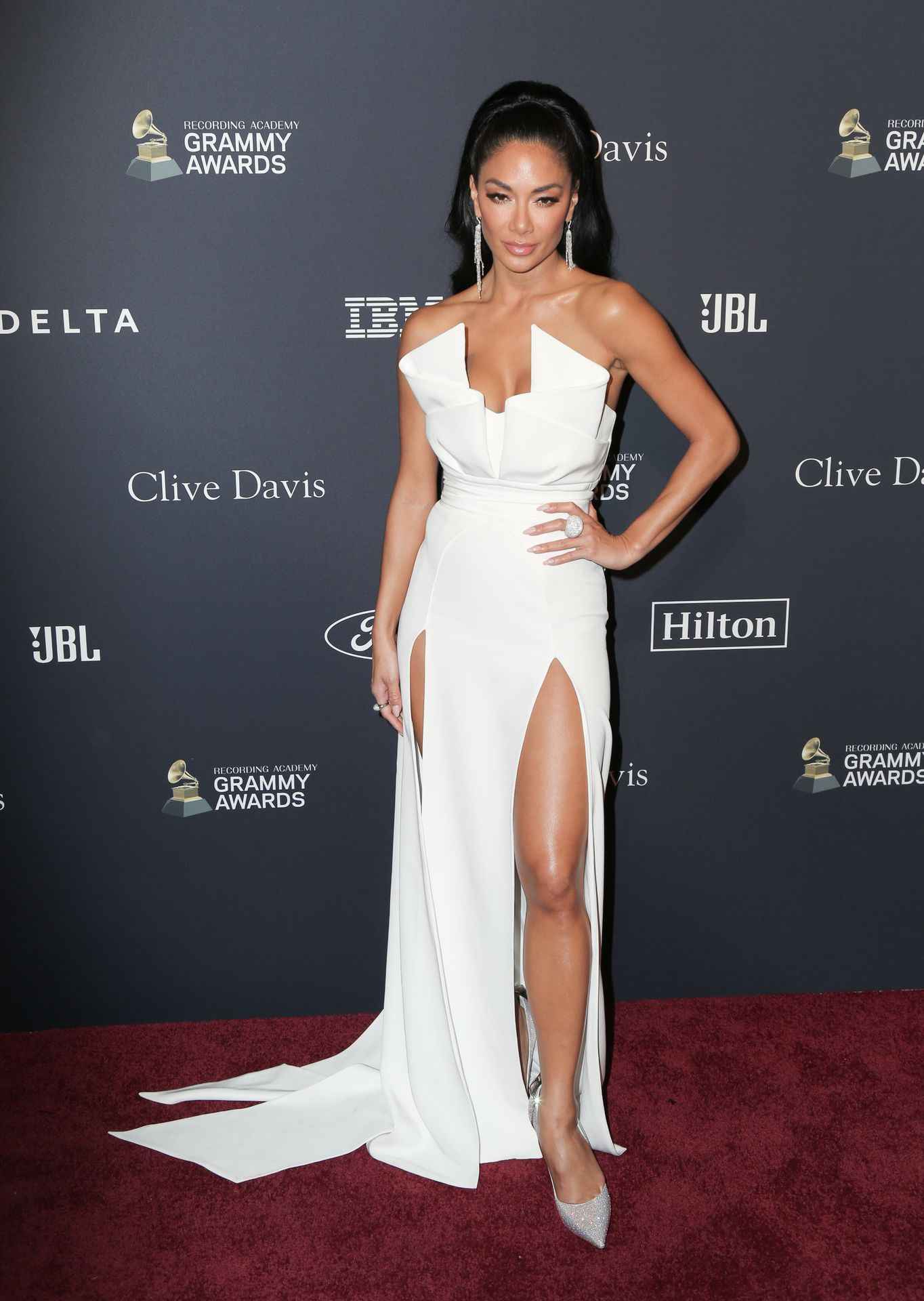 Nicole Scherzinger Stuns At The Clive Davis' 2020 Pre Grammy Gala 0031
