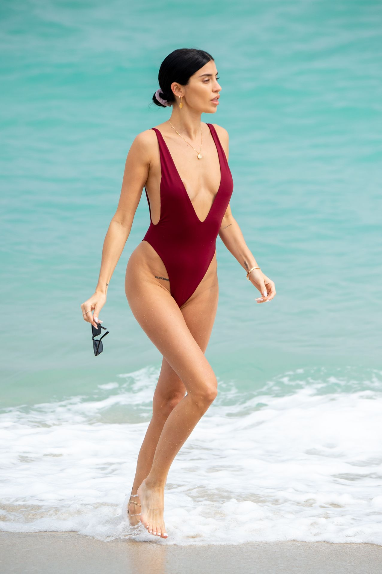 Nicole Williams Shows Off Her Amazing Curves In Miami 0024