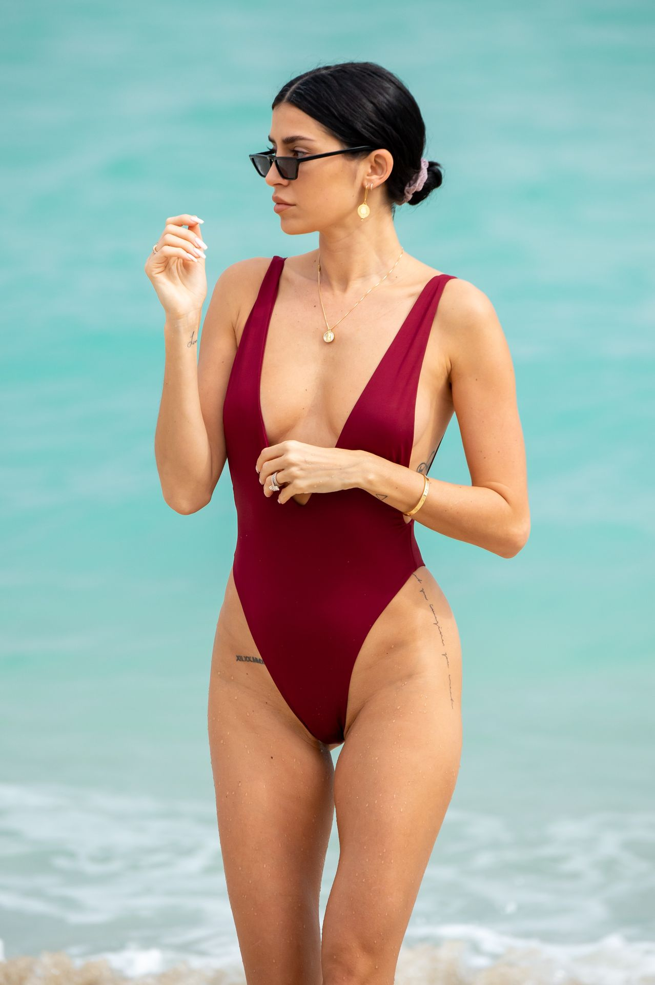 Nicole Williams Shows Off Her Amazing Curves In Miami 0025
